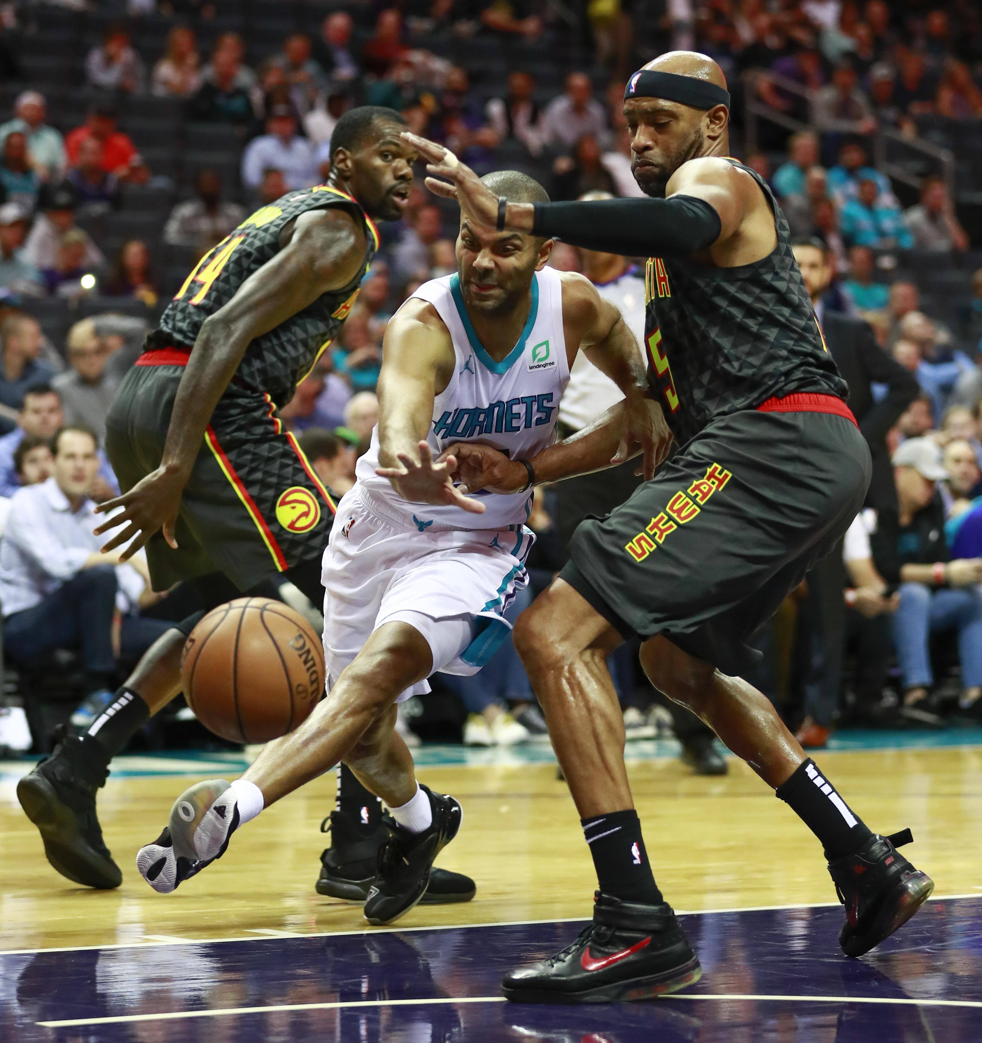 d0518d4cbfc NBA capsules  Kemba Walker s 29 leads Hornets to 113-102 win over ...