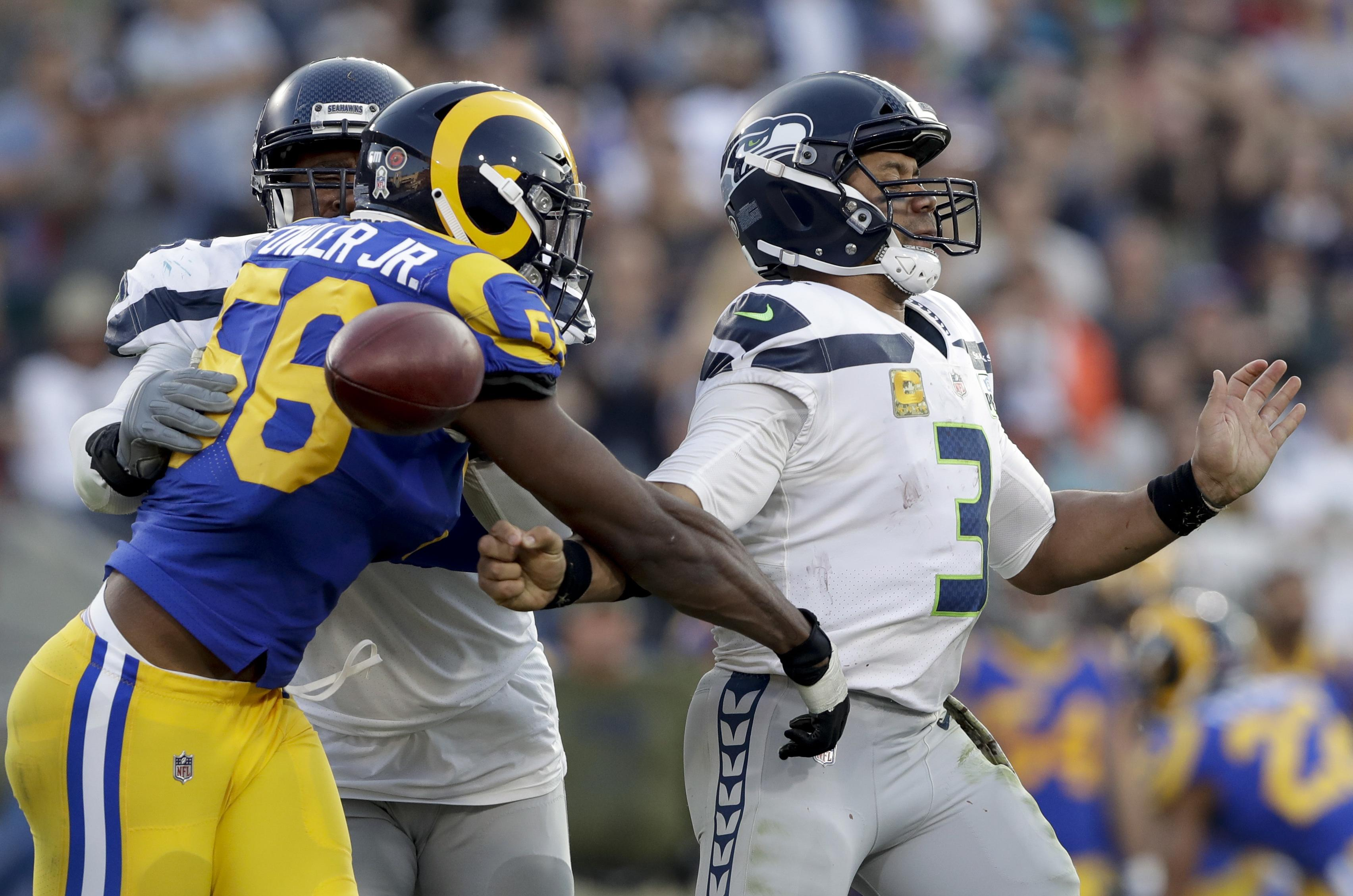 Seahawks come up short against Rams in another nail-biter