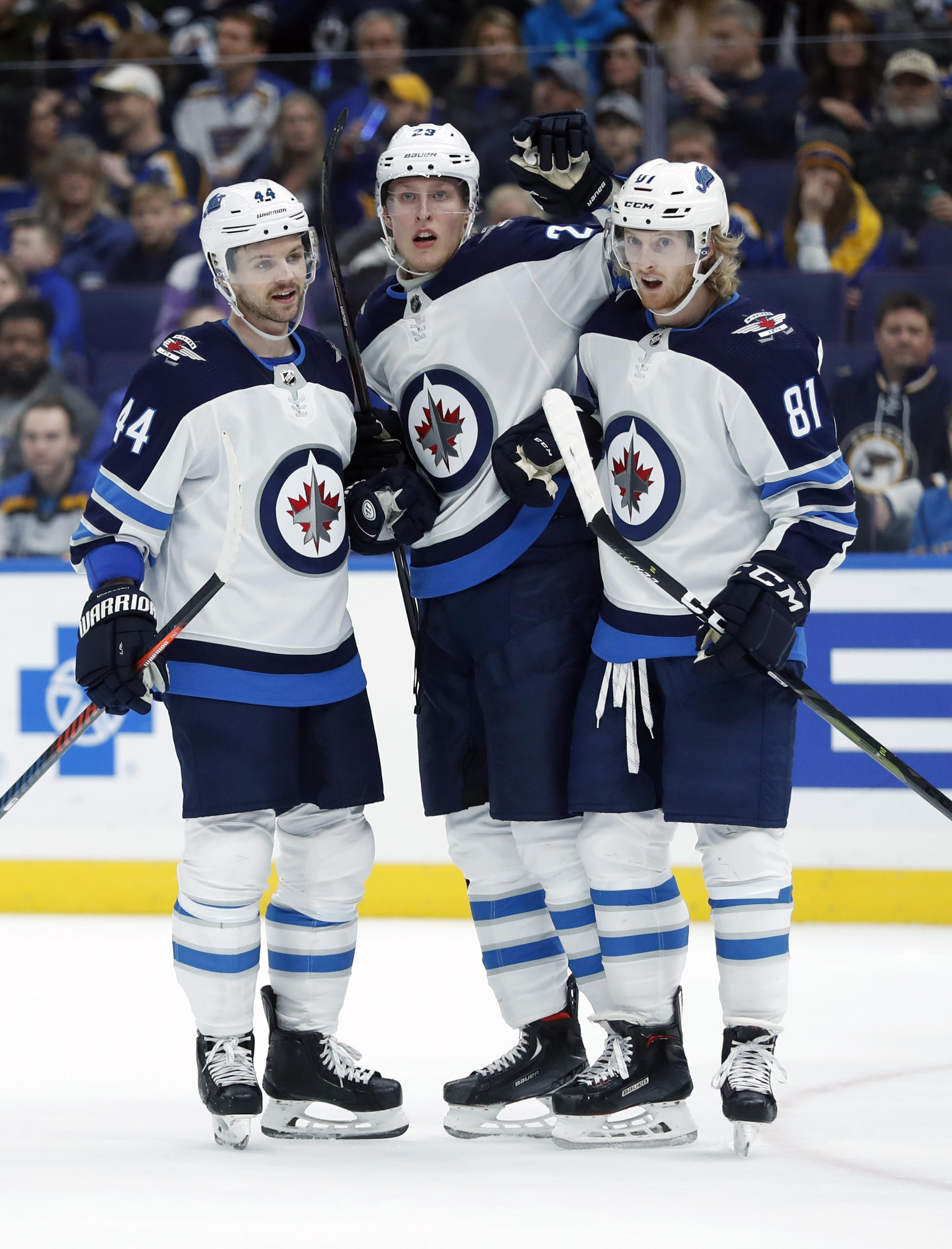 336177cbf2b NHL capsules  Patrick Laine nets 5 goals