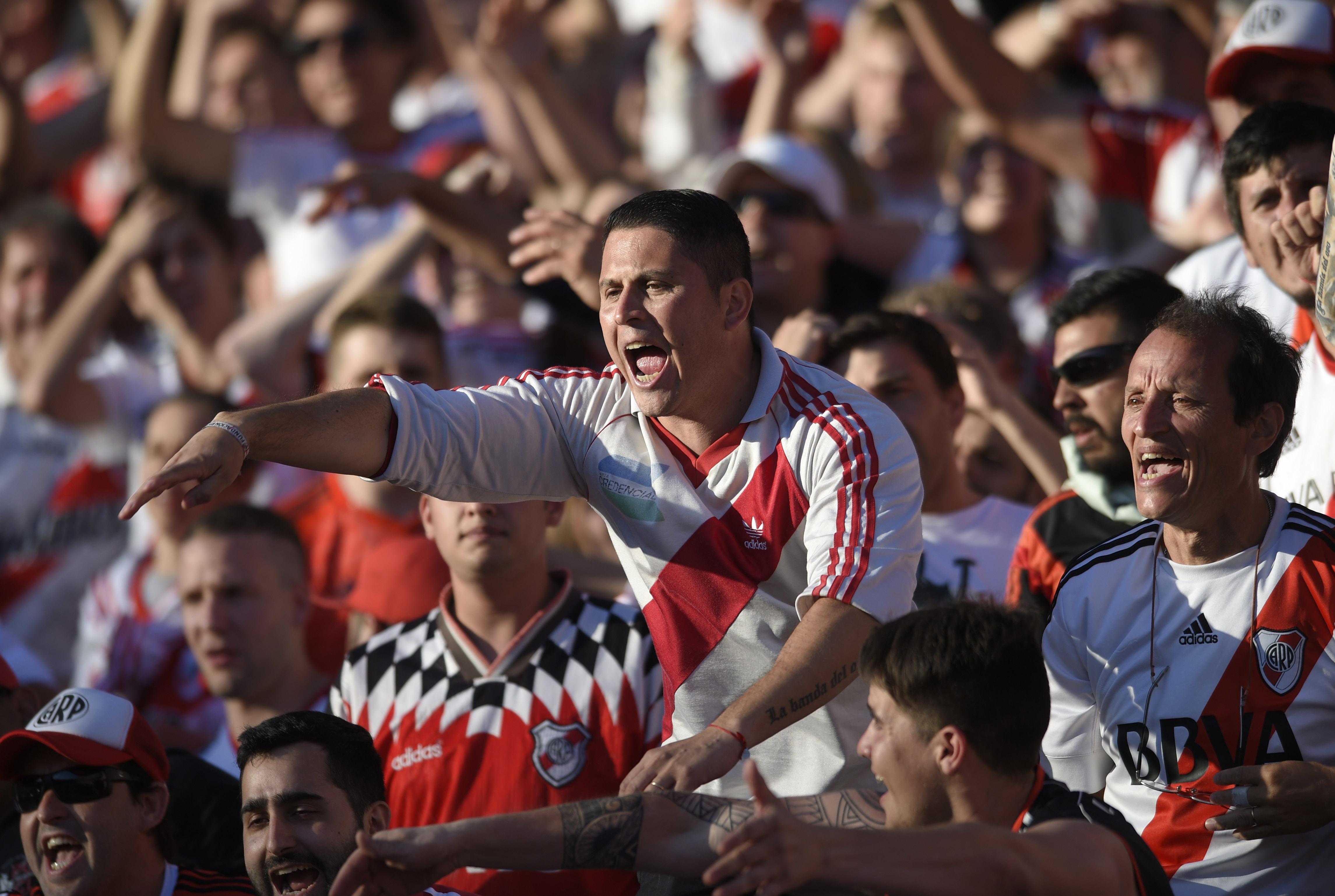 promo code 44208 e62a9 Copa Libertadores final postponed after Boca bus attacked ...