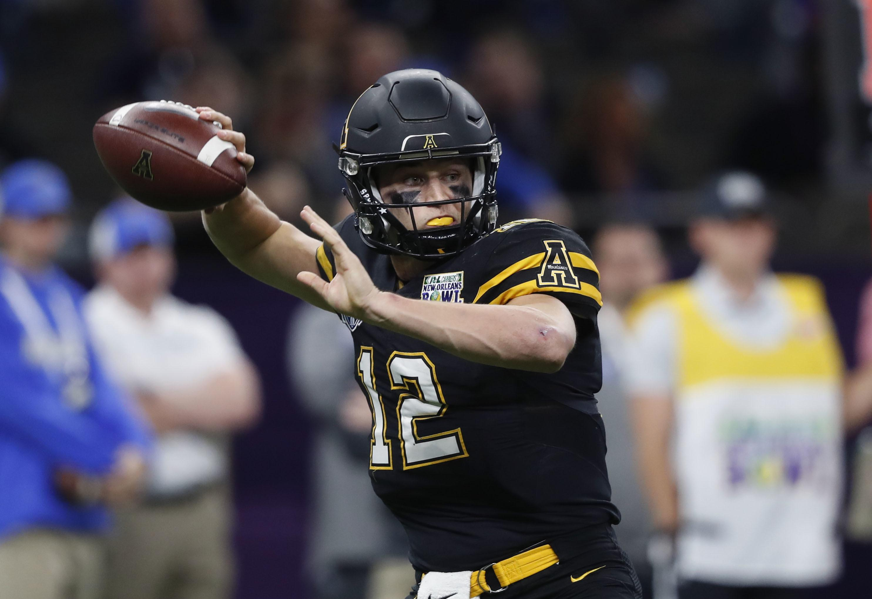 689b9901 Appalachian State rolls past Middle Tennessee in New Orleans Bowl ...