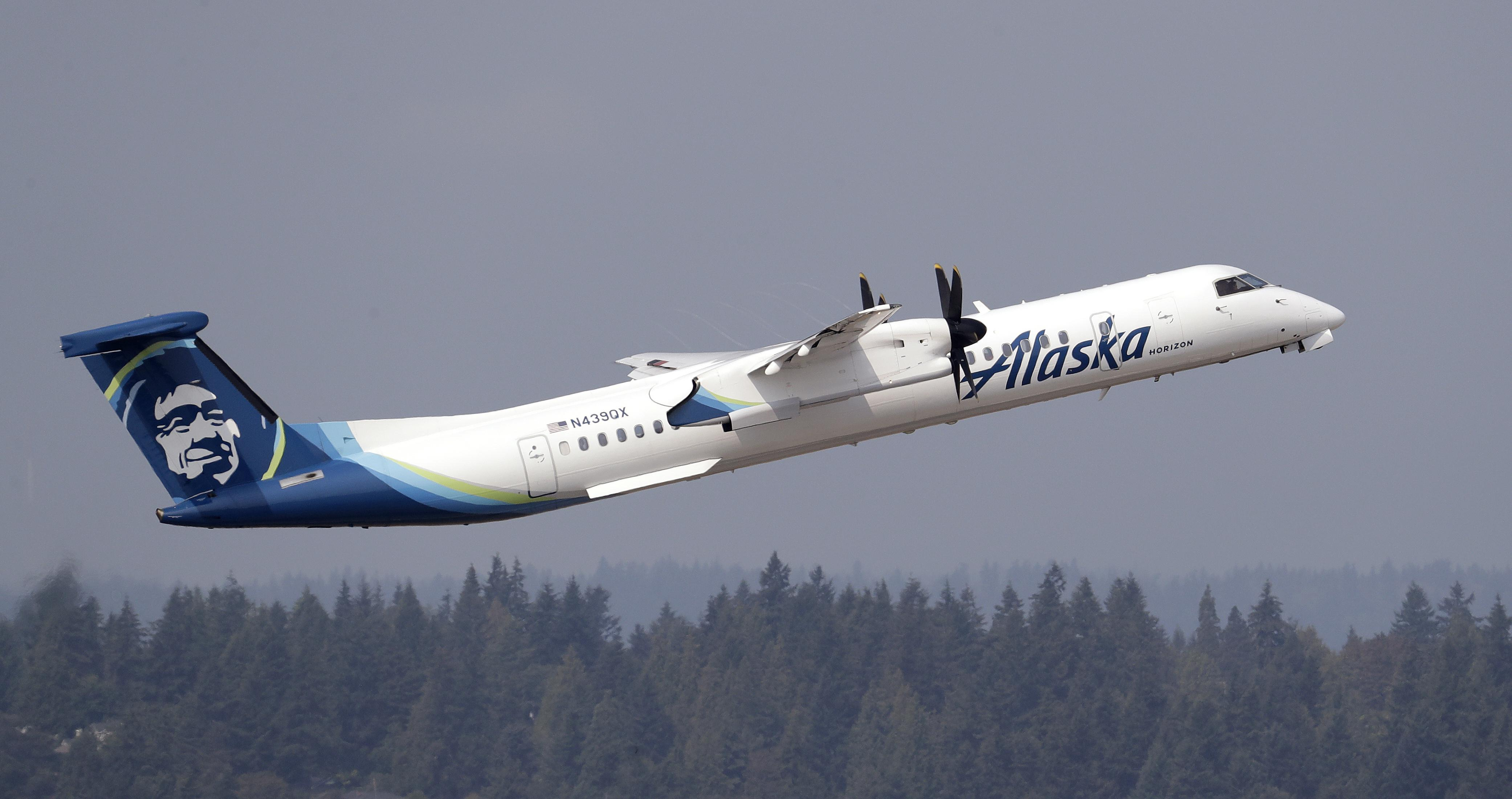 Alaska Airlines flights back in the air after power outage