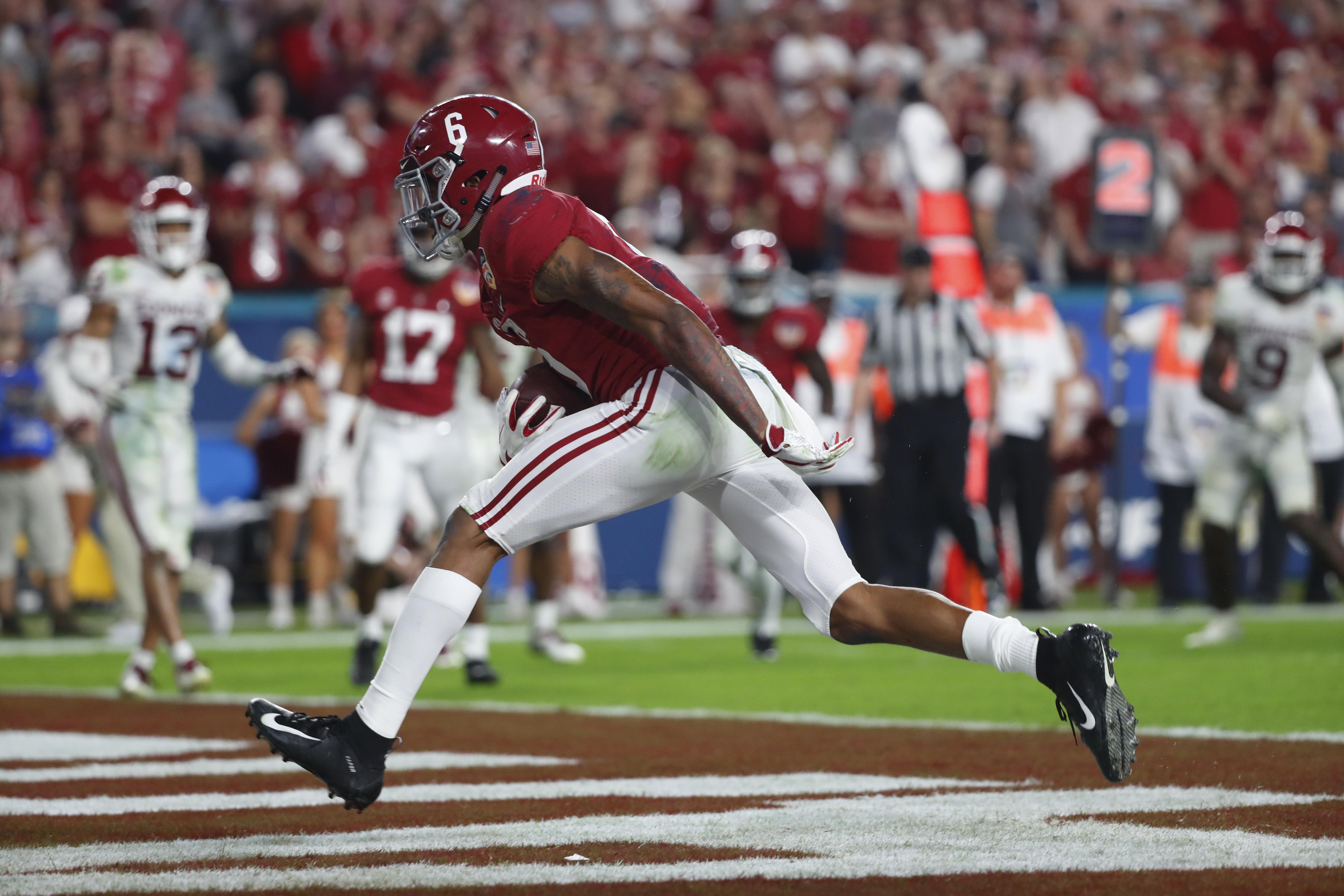 No 1 Alabama Beats No 4 Oklahoma 45 34 To Reach Title Game The
