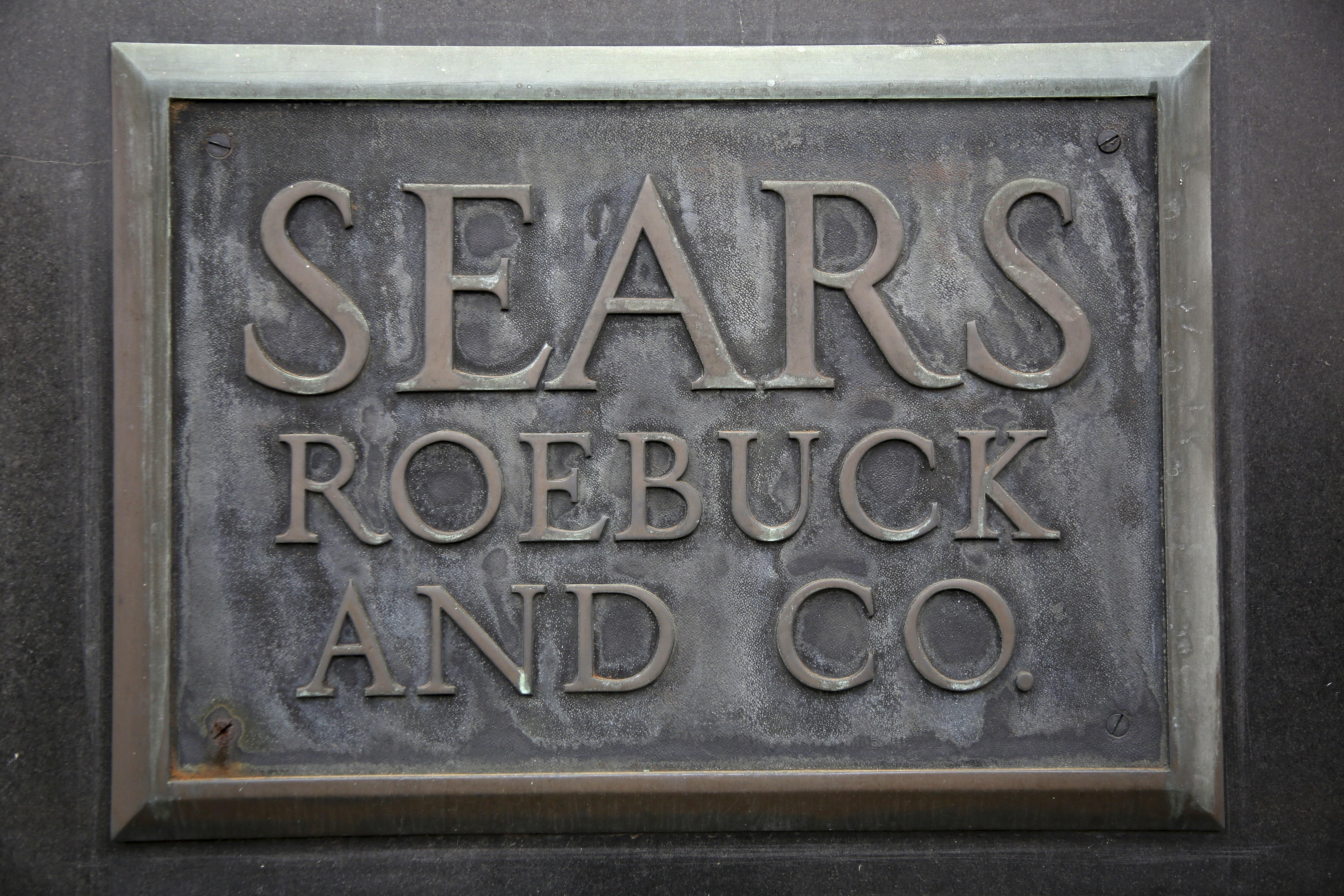 Eddie Lampert Raises Offer To Keep Sears Open To More Than 5
