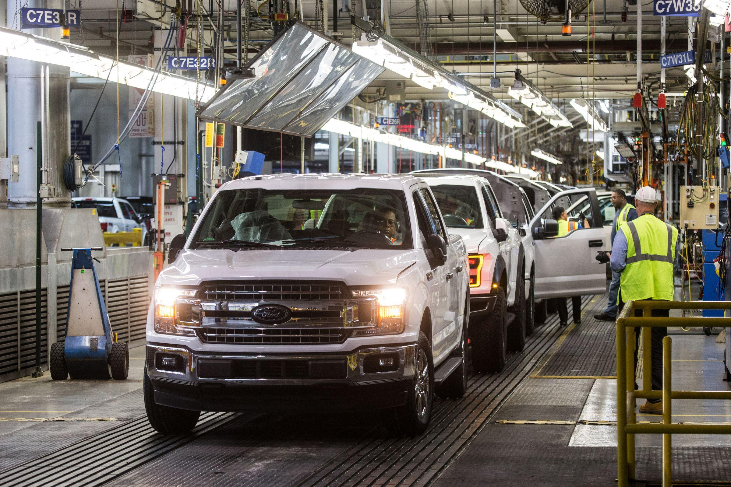 Ford F 150 Trucks Come Off The Embly Line At Rouge Plant In