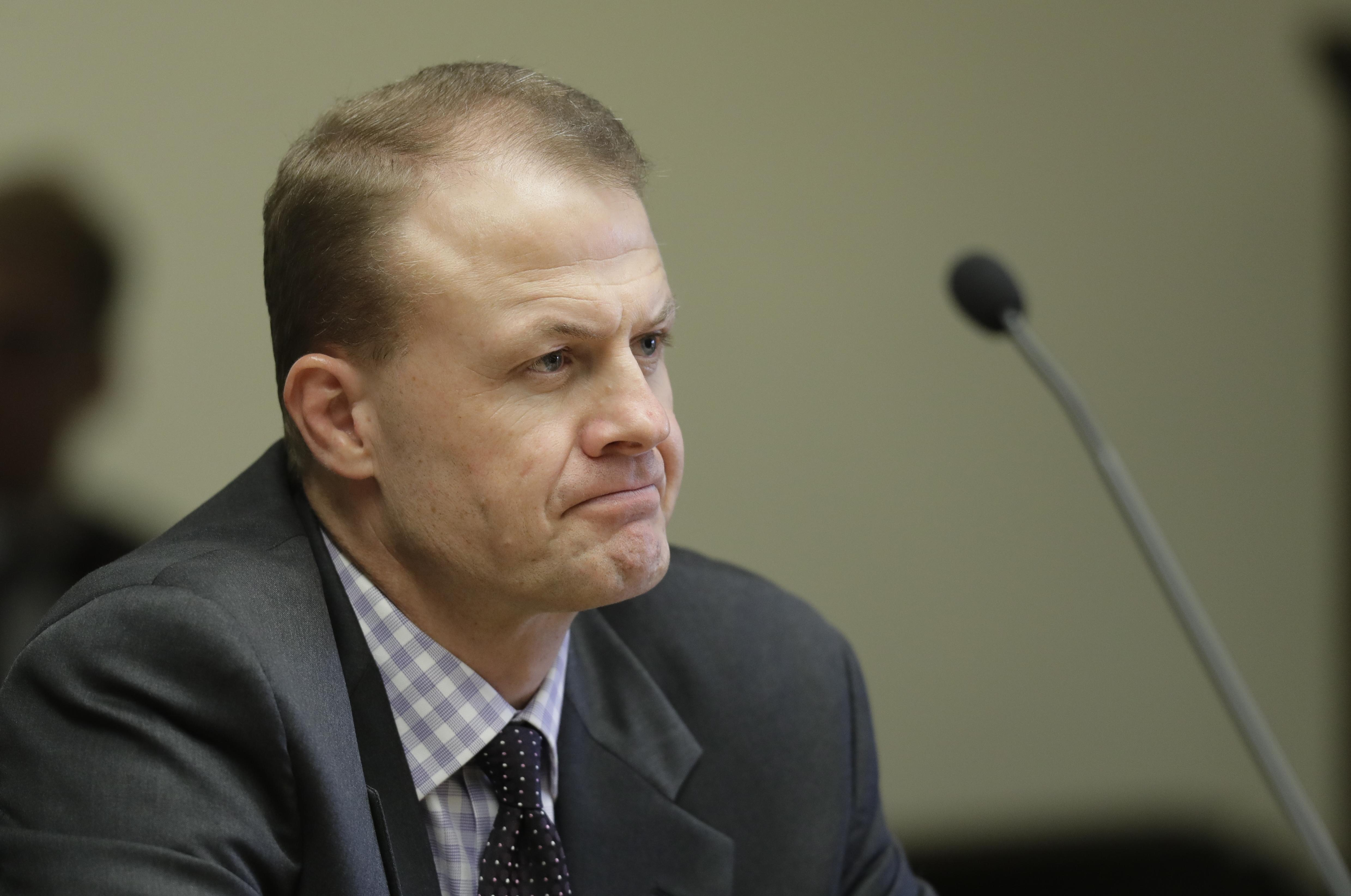 Eyman pleads not guilty in office chair theft case   The