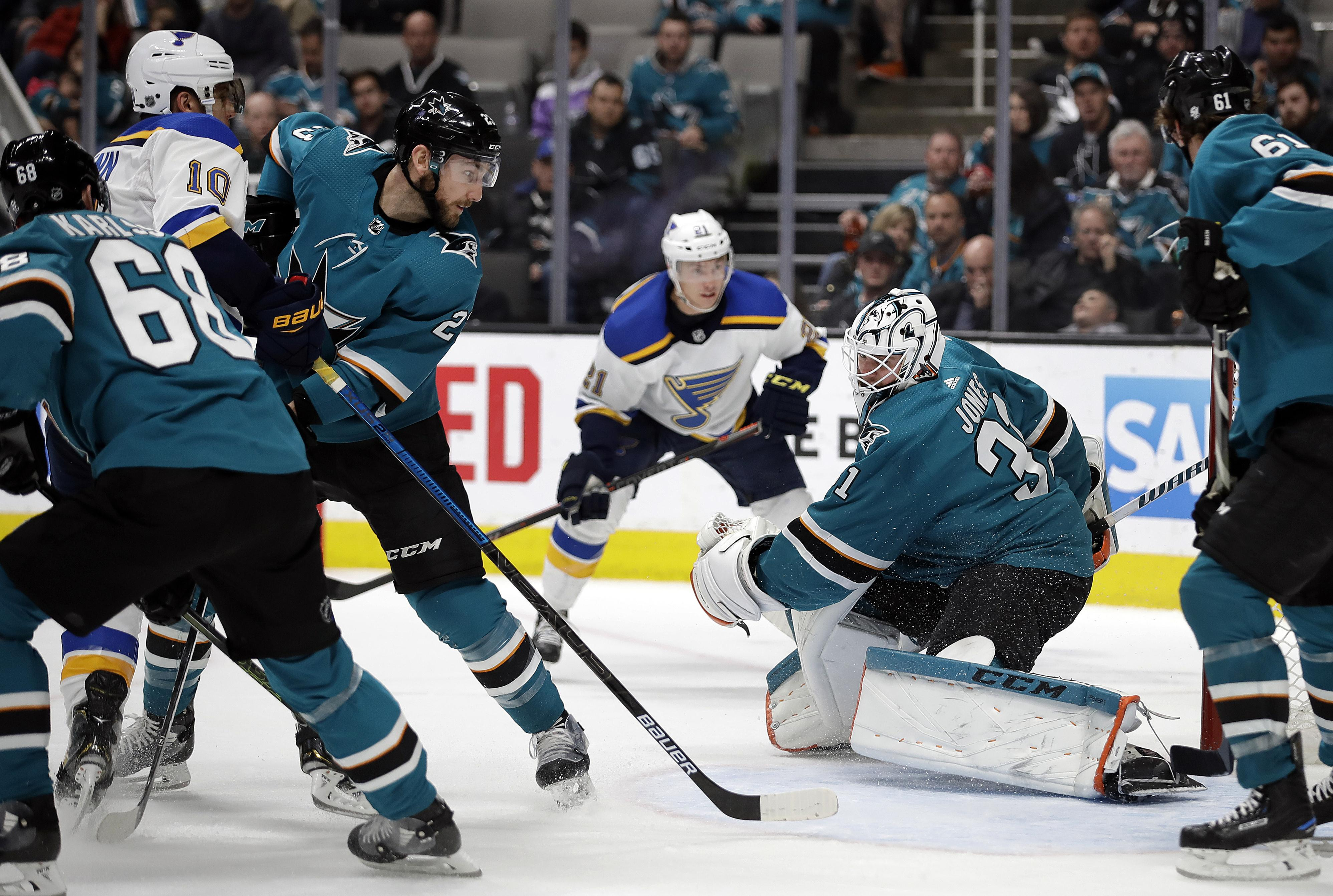 Nhl Roundup Sharks Beat Blues 3 2 In Ot To Take Western Conference