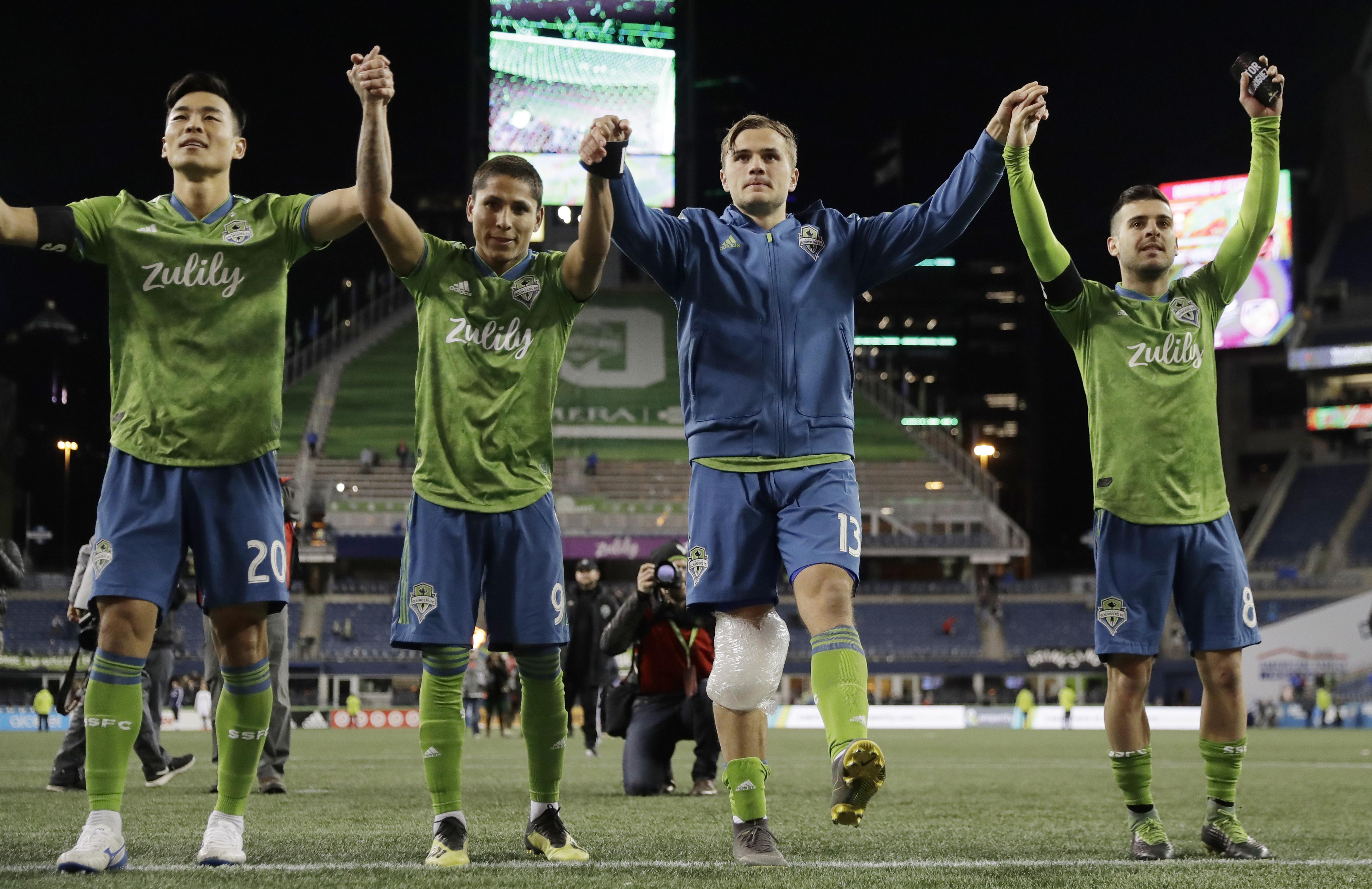 half off fb053 6bc52 Seattle Sounders win 3rd straight to open season, 4-2 over ...