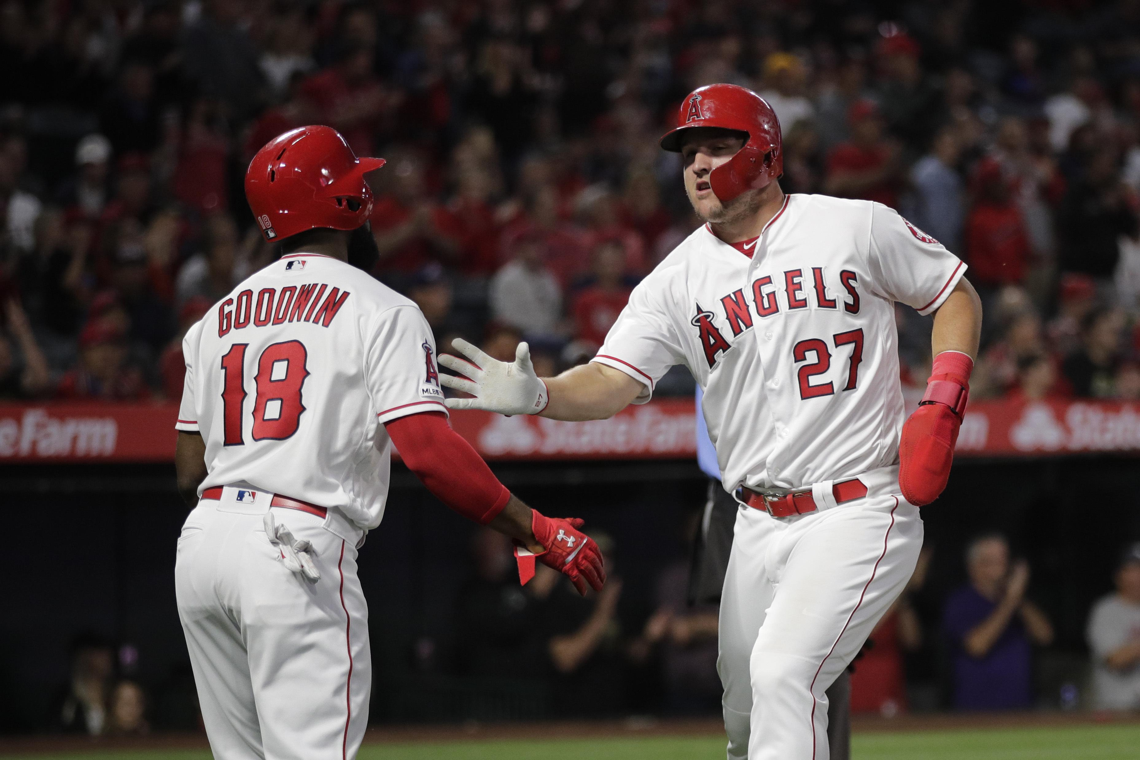 Angels Star Mike Trout Day To Day With Right Groin Strain The