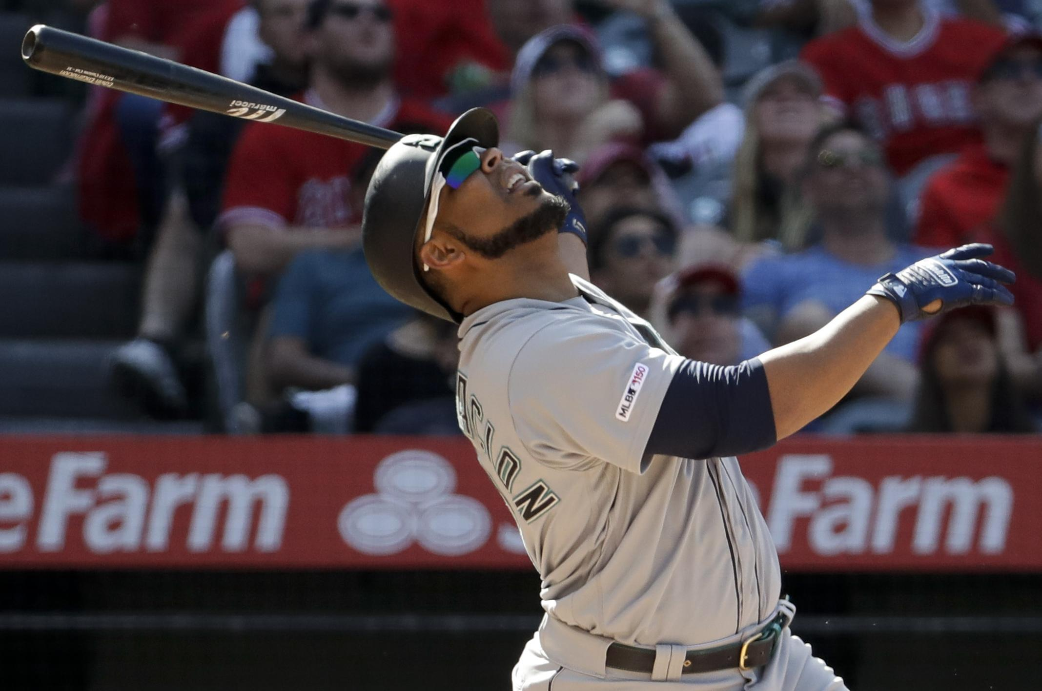 01a72eda0e3 Seattle Mariners  Edwin Encarnacion flies out to end a baseball game  against the Los Angeles