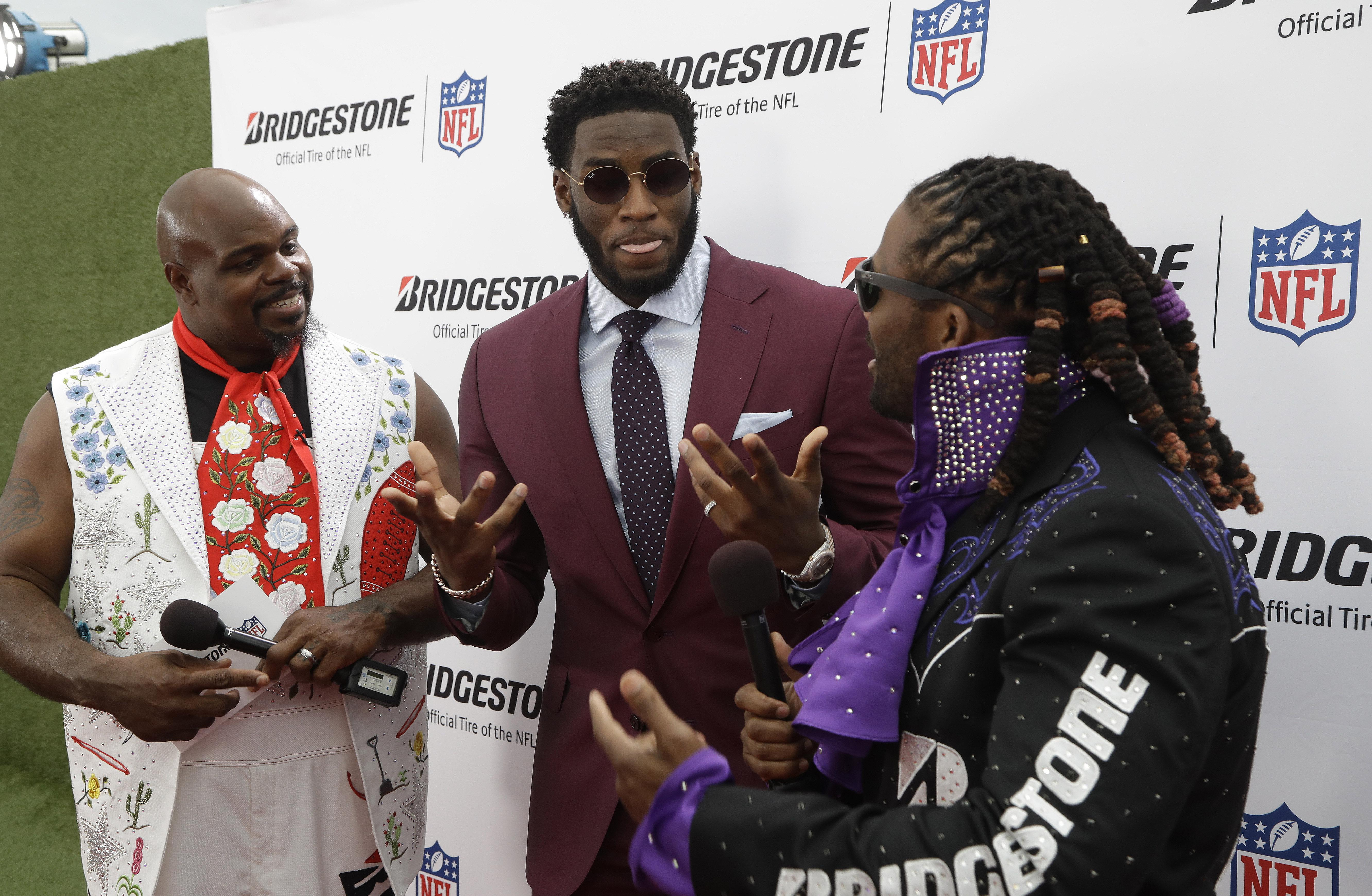 01ad11005 Hitting NFL draft s red carpet means dressing up for moment