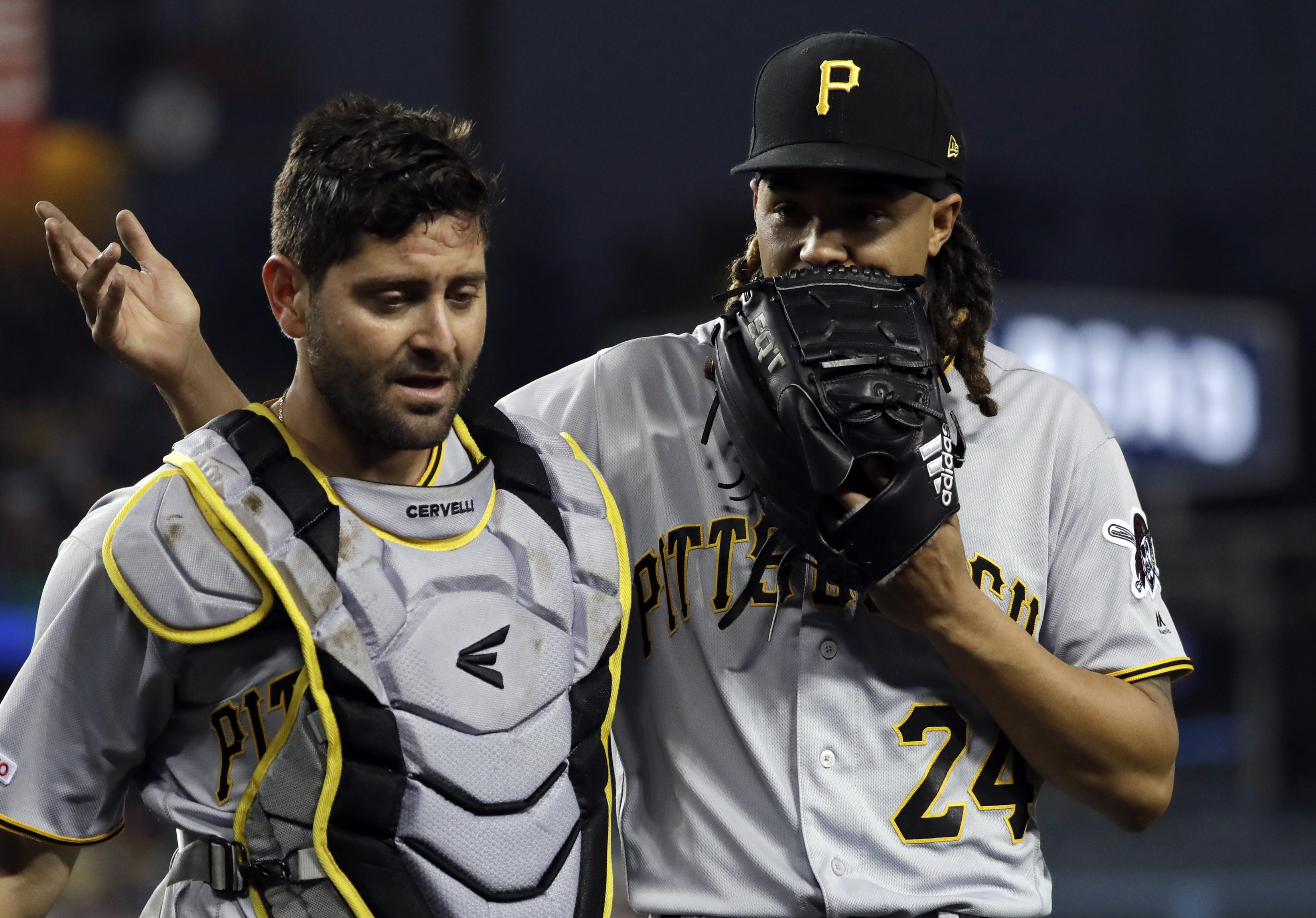 wholesale dealer 6a73e 91d54 Pirates pitcher Chris Archer sidelined by injured thumb ...