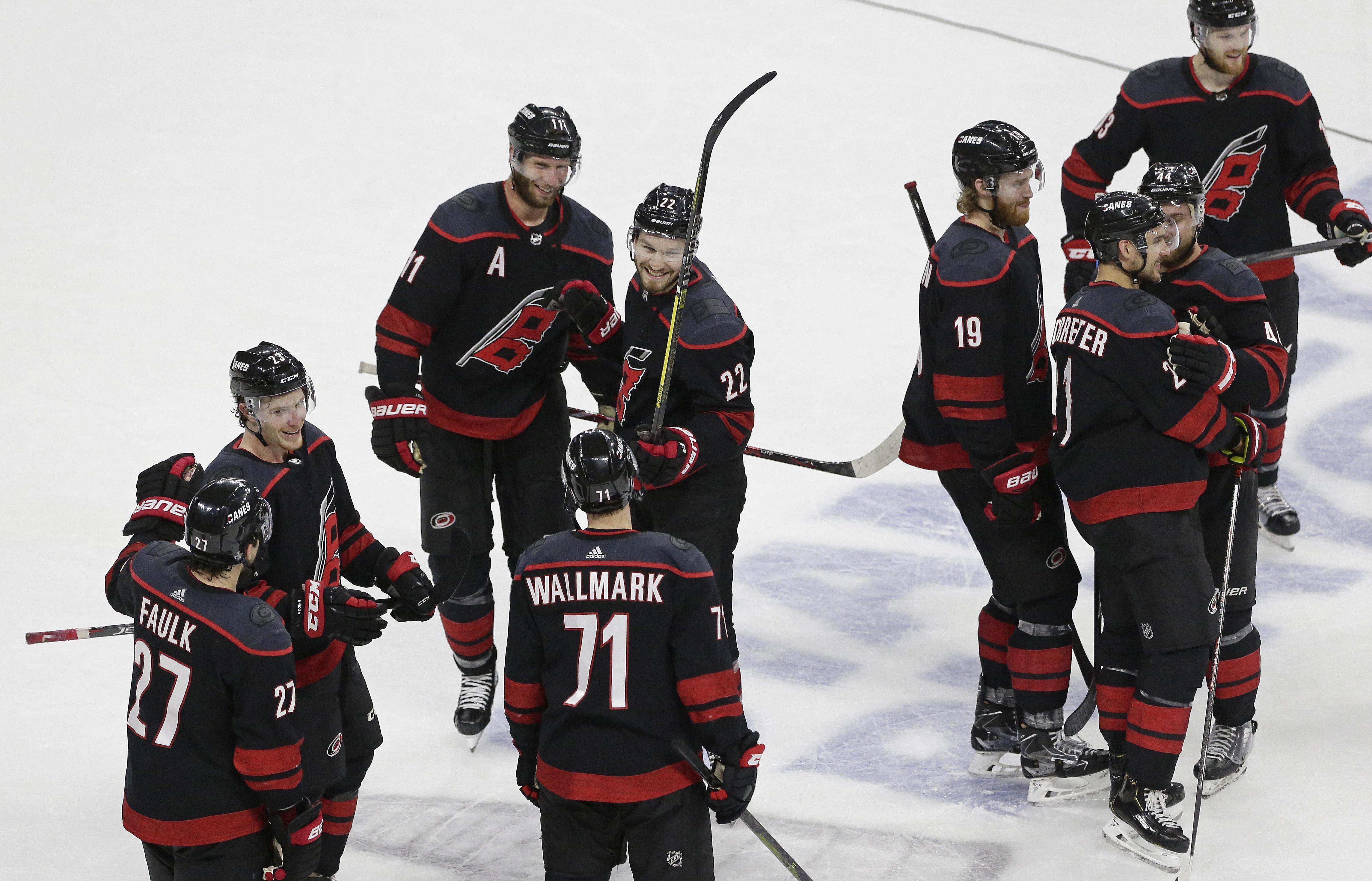 NHL roundup: Hurricanes finish sweep, beat Islanders 5-2 in