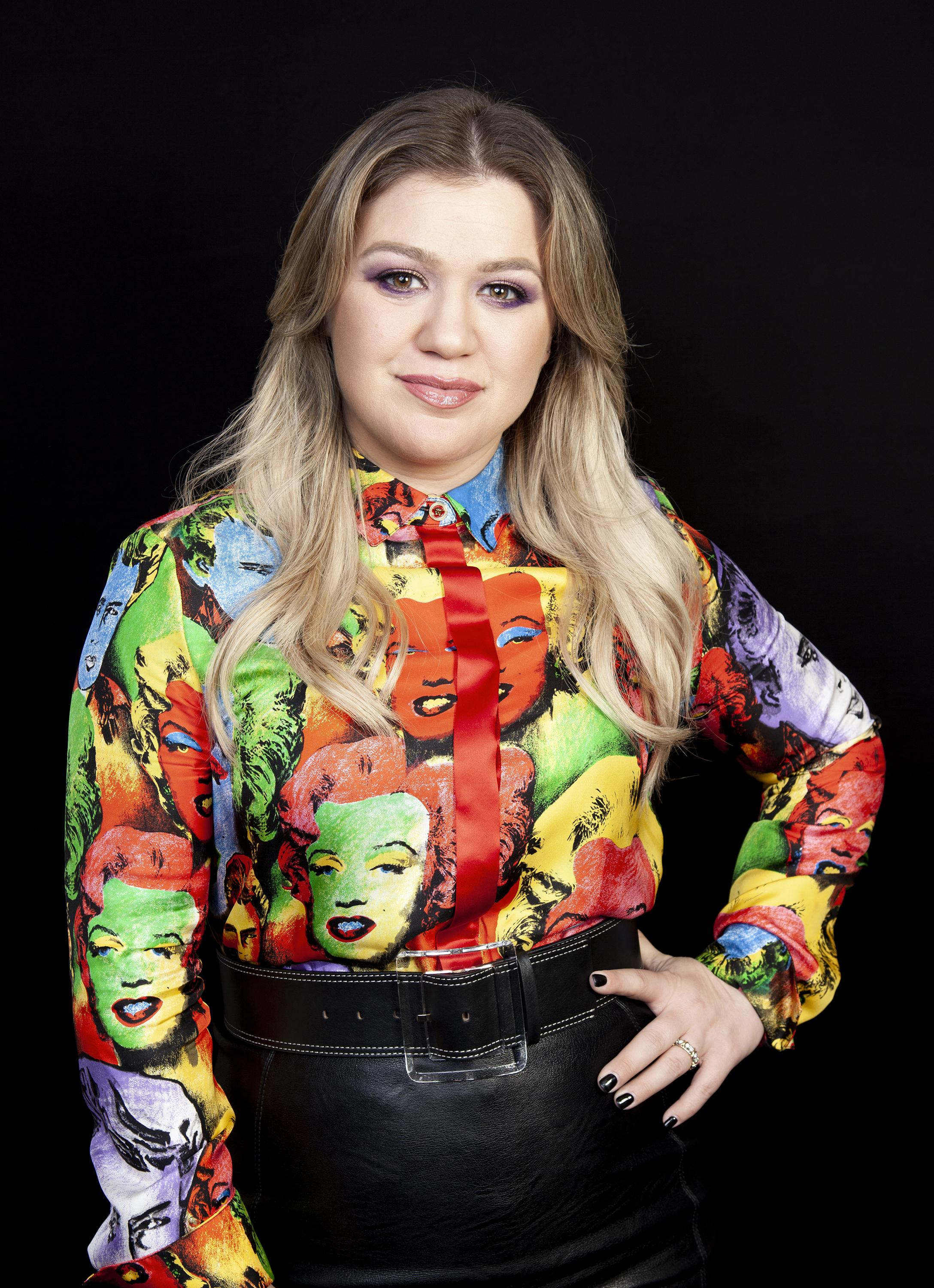 Kelly Clarkson had appendix removed after hosting awards