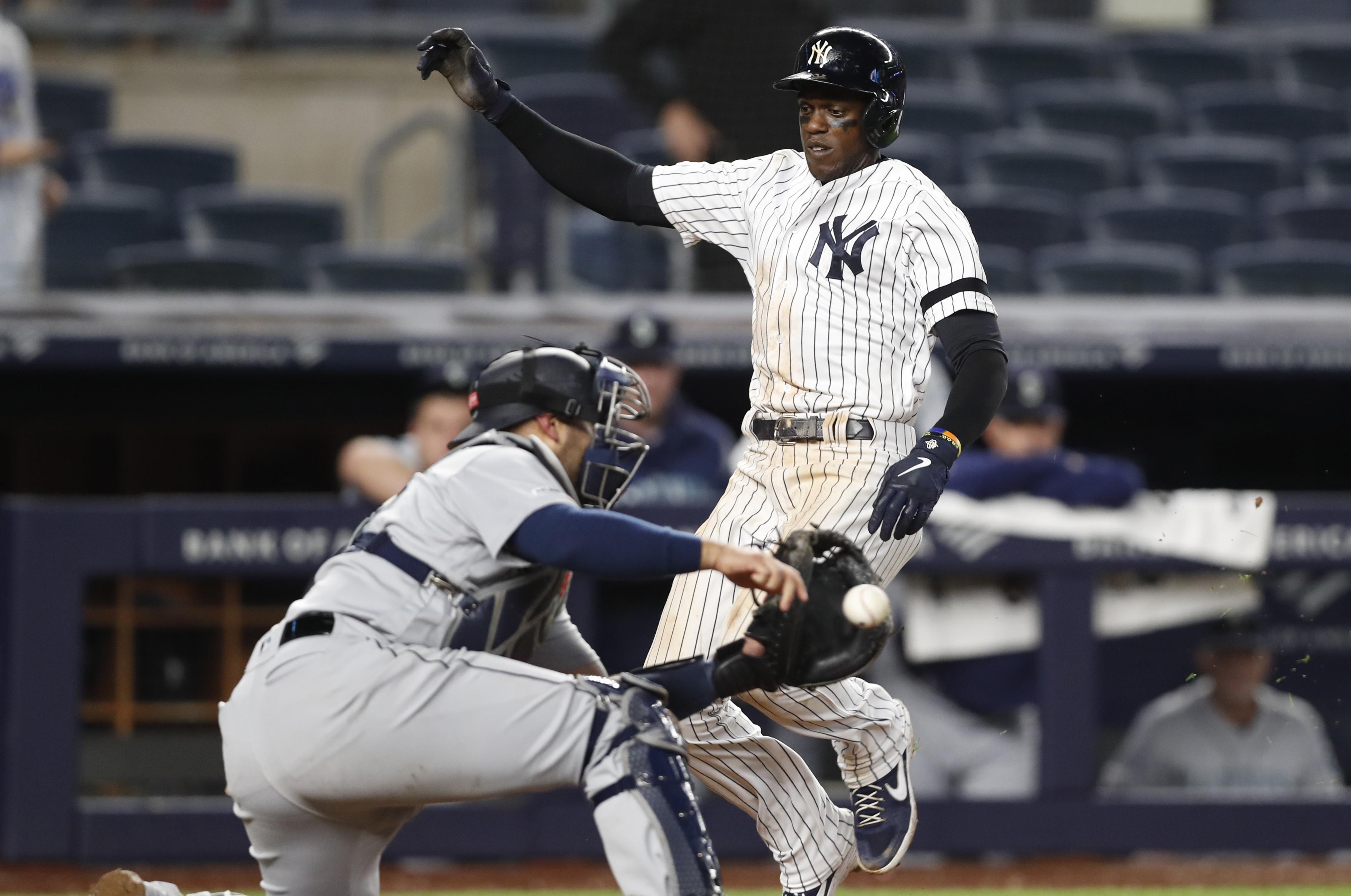 official photos a89f3 3c924 DJ LeMahieu drives in Cameron Maybin, Yankees rally to beat ...