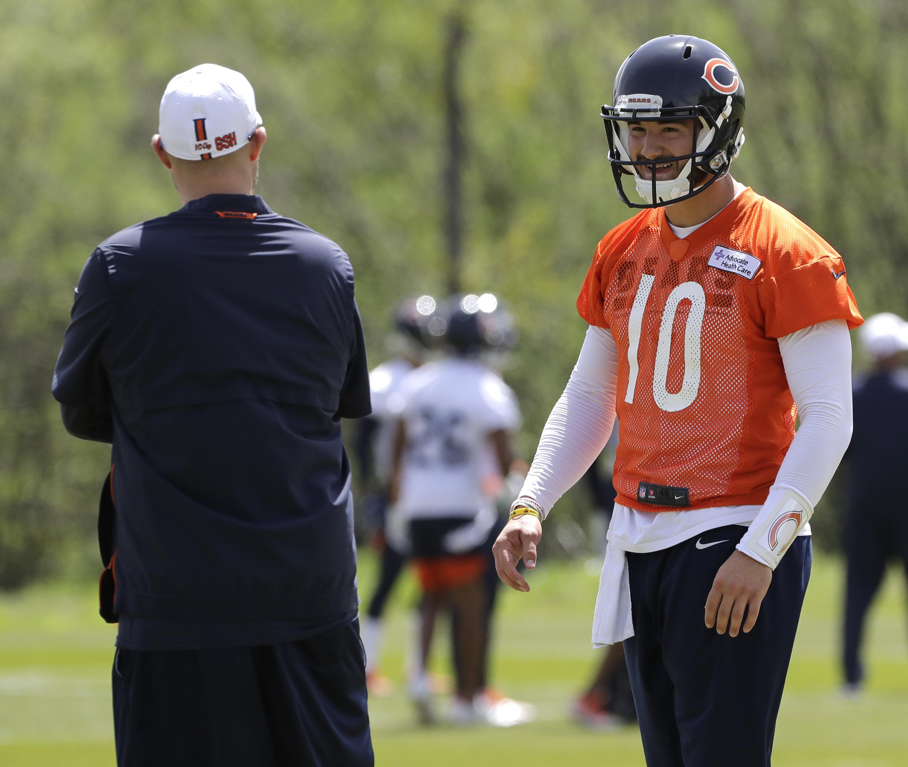 652f01ed539 In this May 22, 2019 photo, Chicago Bears quarterback Mitchell Trubisky,  right,