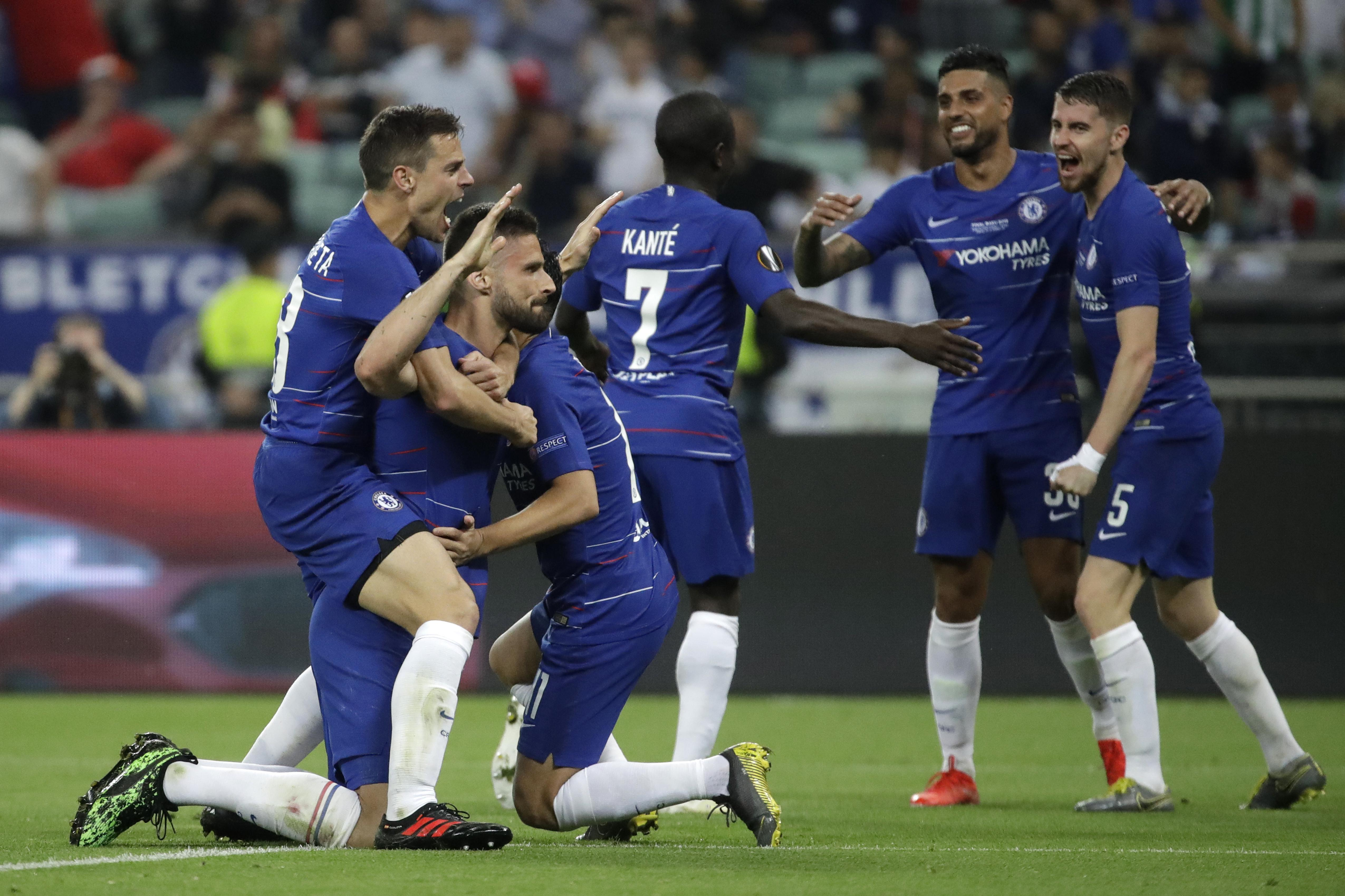 fe7dd058913 Eden Hazard scores 2 as Chelsea beats Arsenal 4-1 in Europa League ...