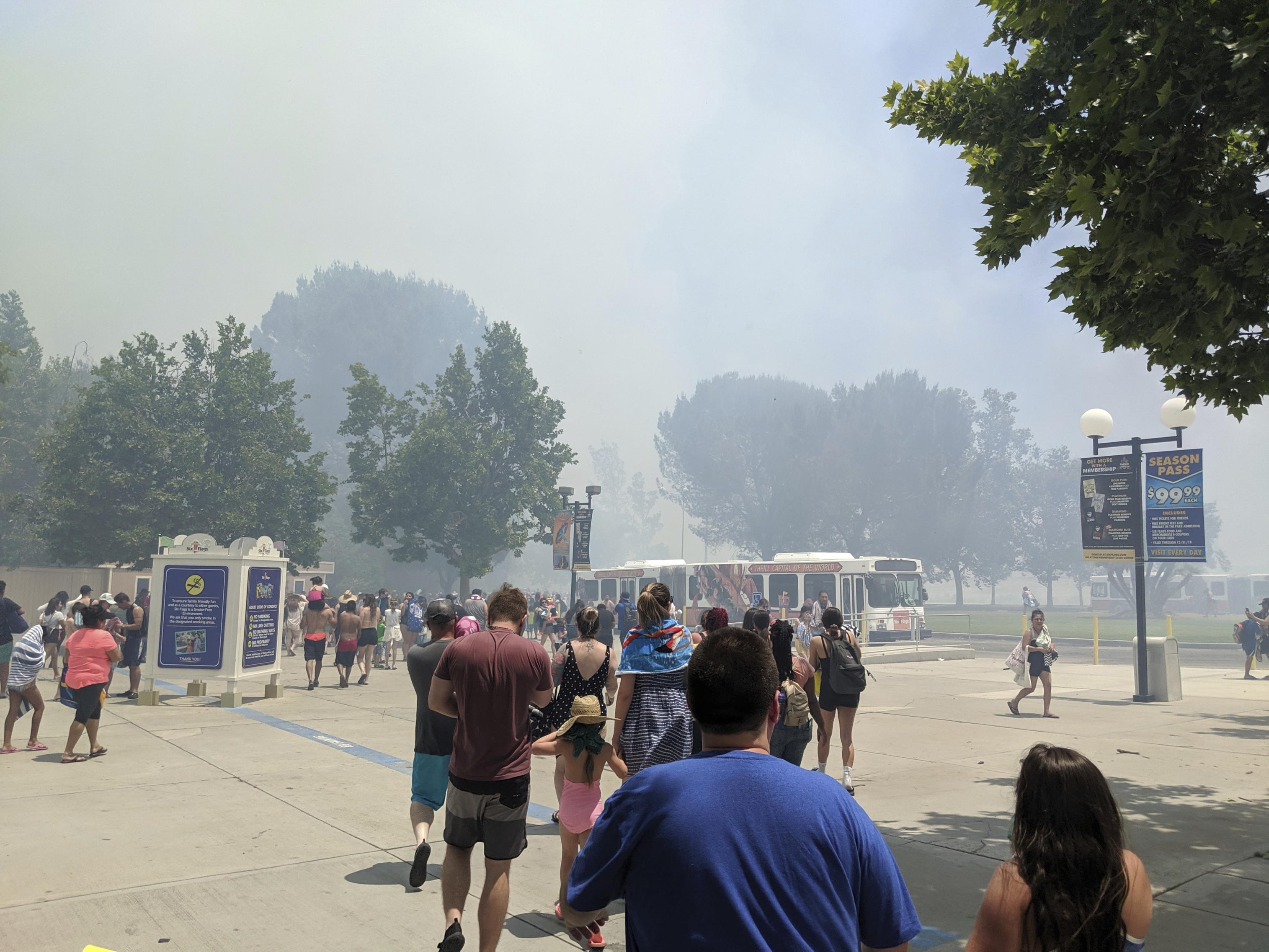 Brush fire sets off evacuation at California amusement park | The
