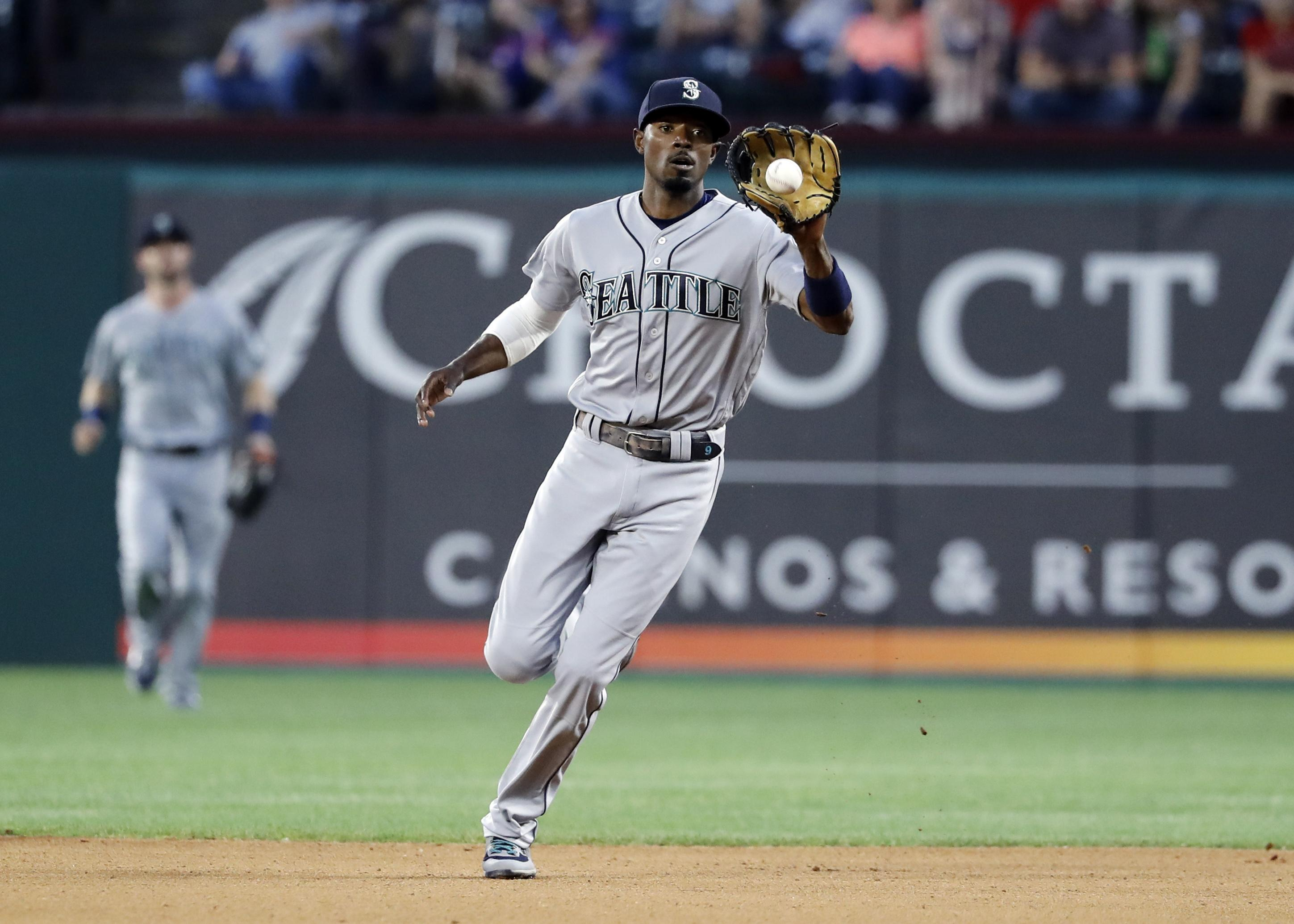 new concept 6a308 03ab0 Dee Gordon back with Mariners after missing 19 games | The ...