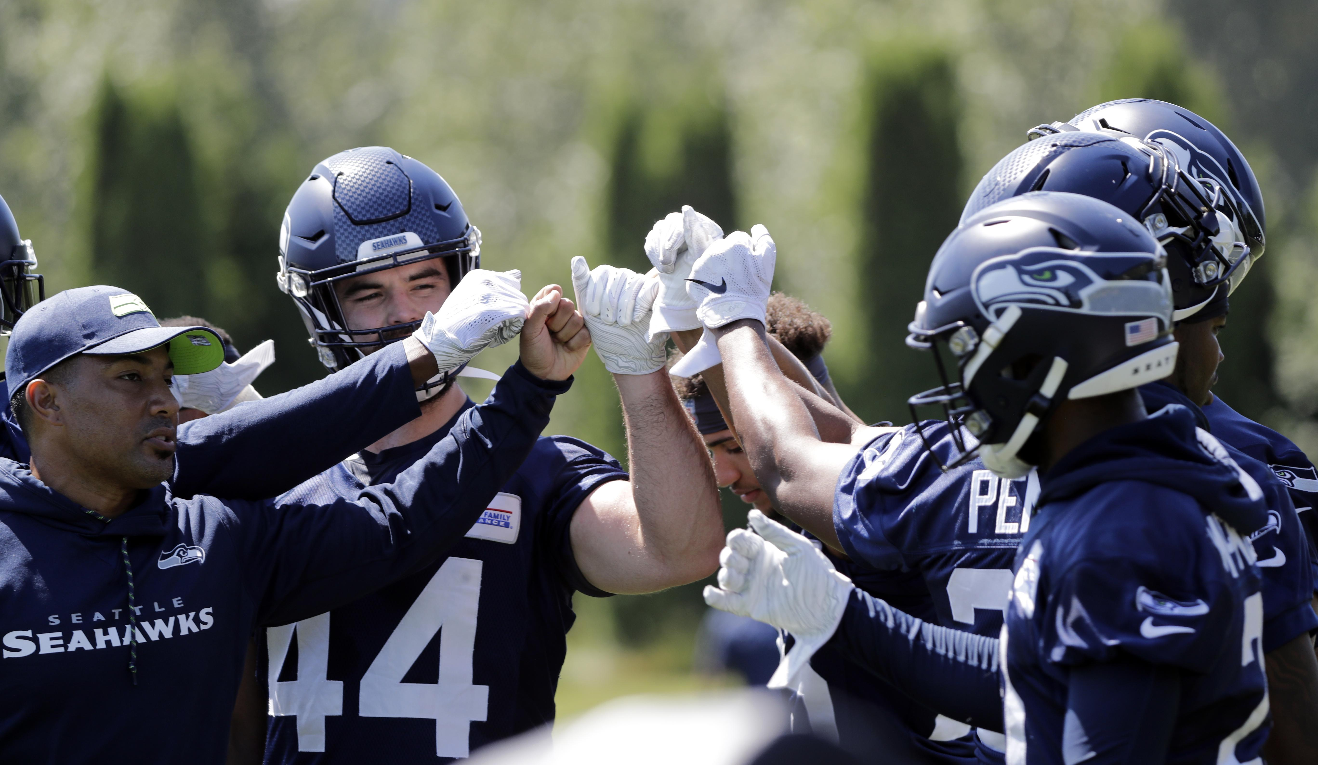 Larry Stone: Seahawks wrap up minicamp happy as clams, with