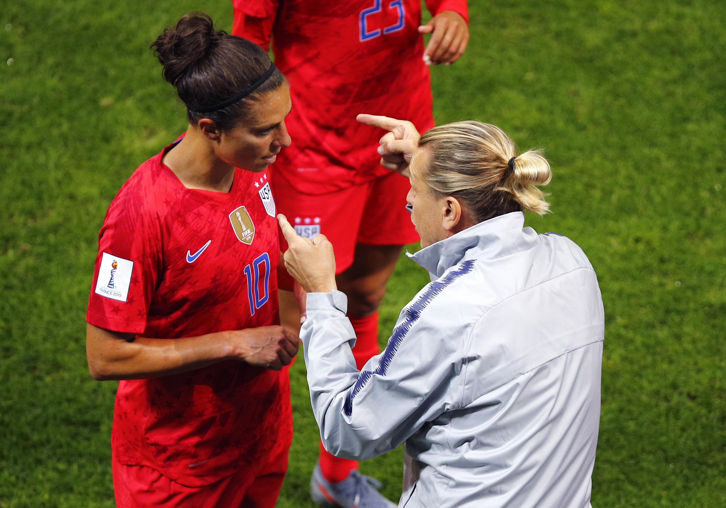 catch 8f5b0 9f1d2 United States' Carli Lloyd adjusts to new role, but doesn't ...