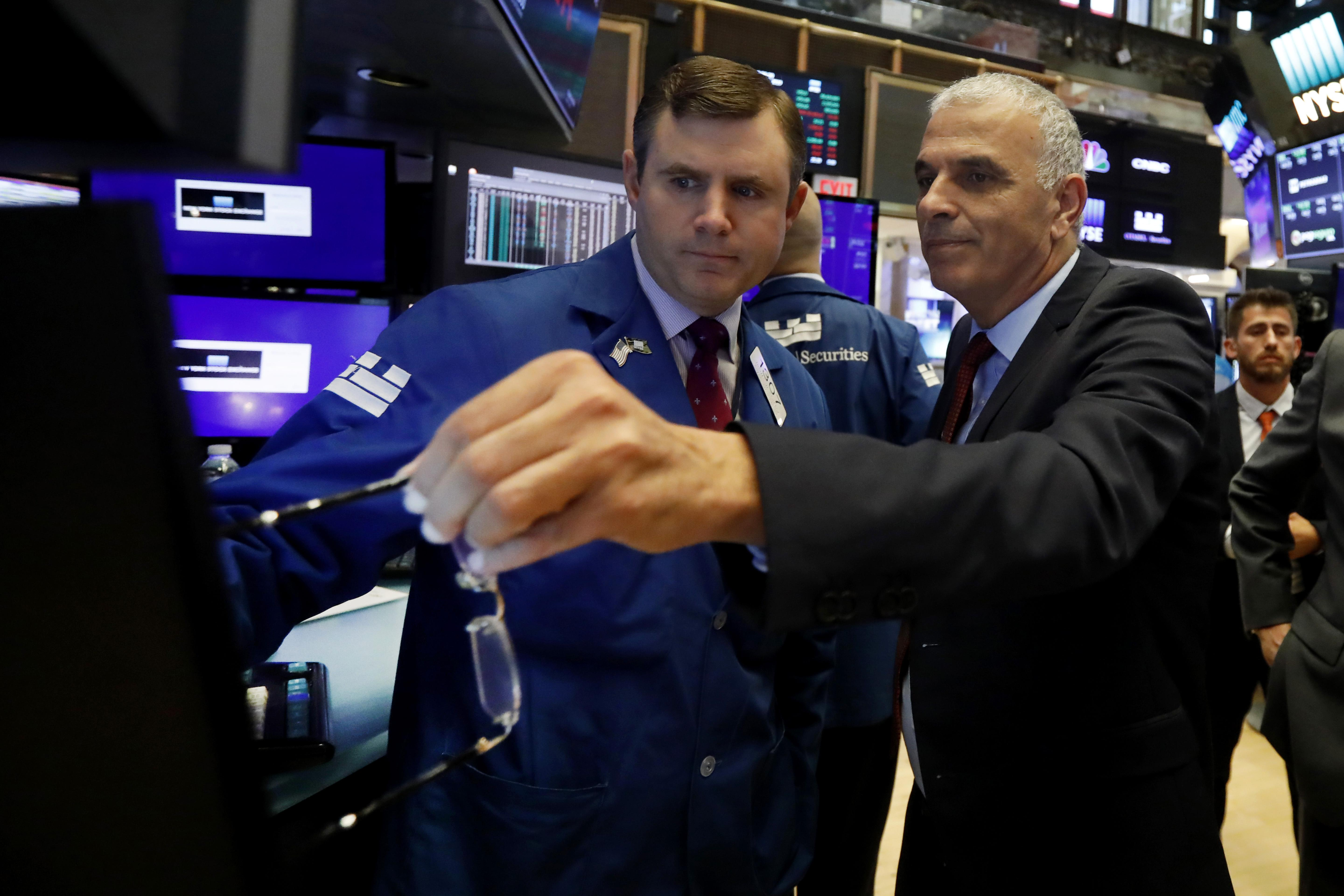U S  stocks drop as traders weigh odds for steep Fed rate cut | The
