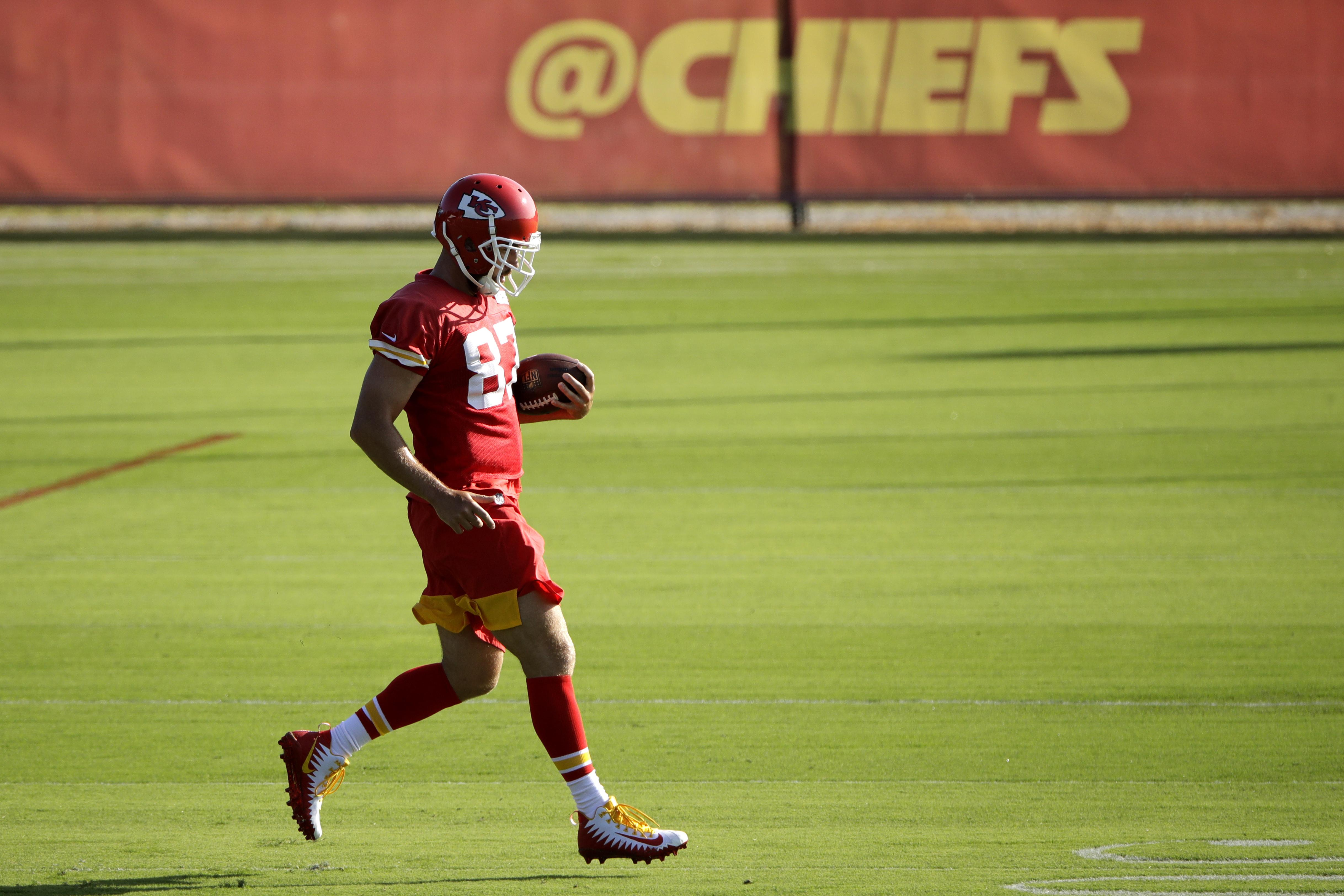 Chiefs Tight End Travis Kelce Back At Practice After Ankle