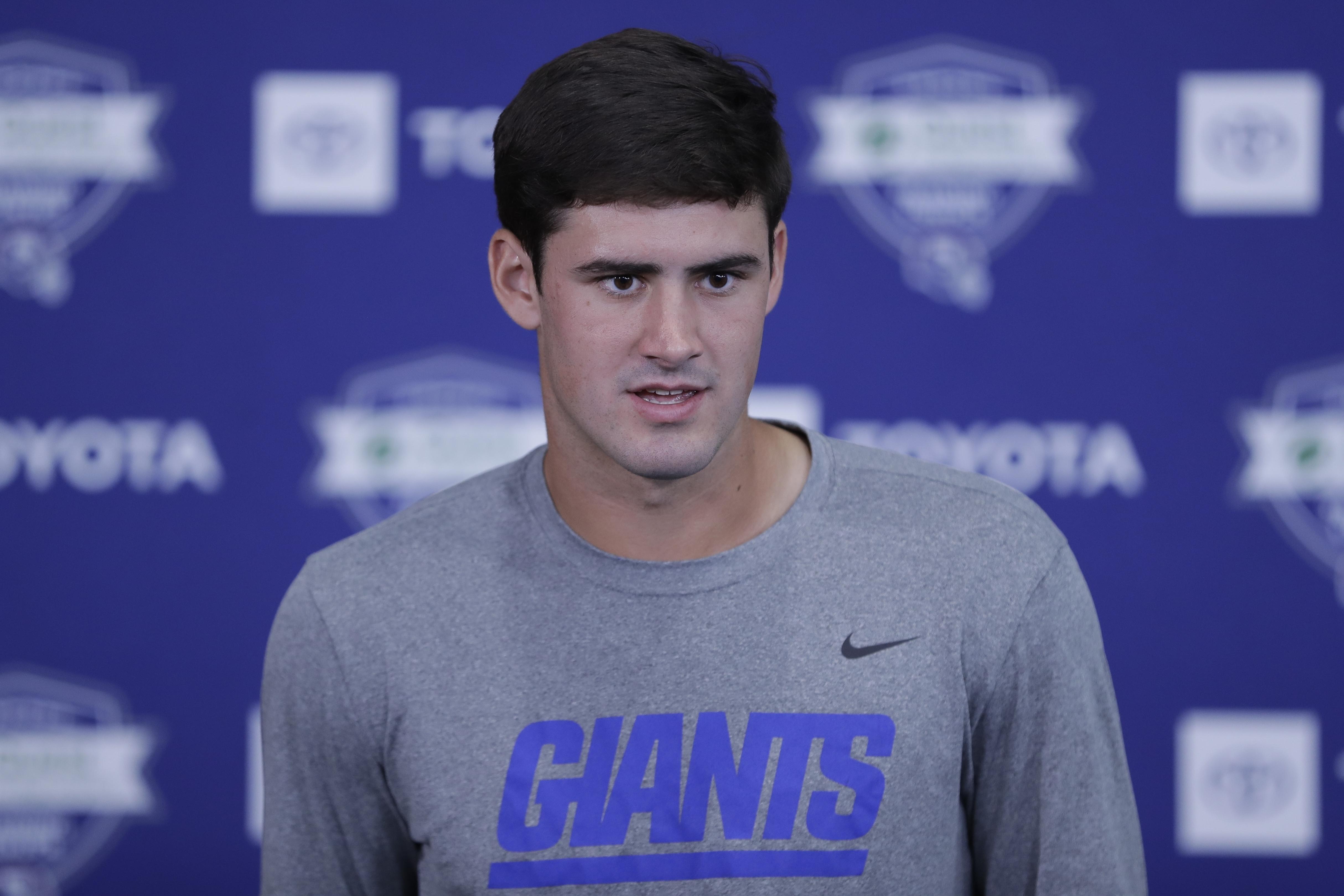 b3d0733f With Daniel Jones waiting, when do Giants sit Eli Manning? | SWX ...
