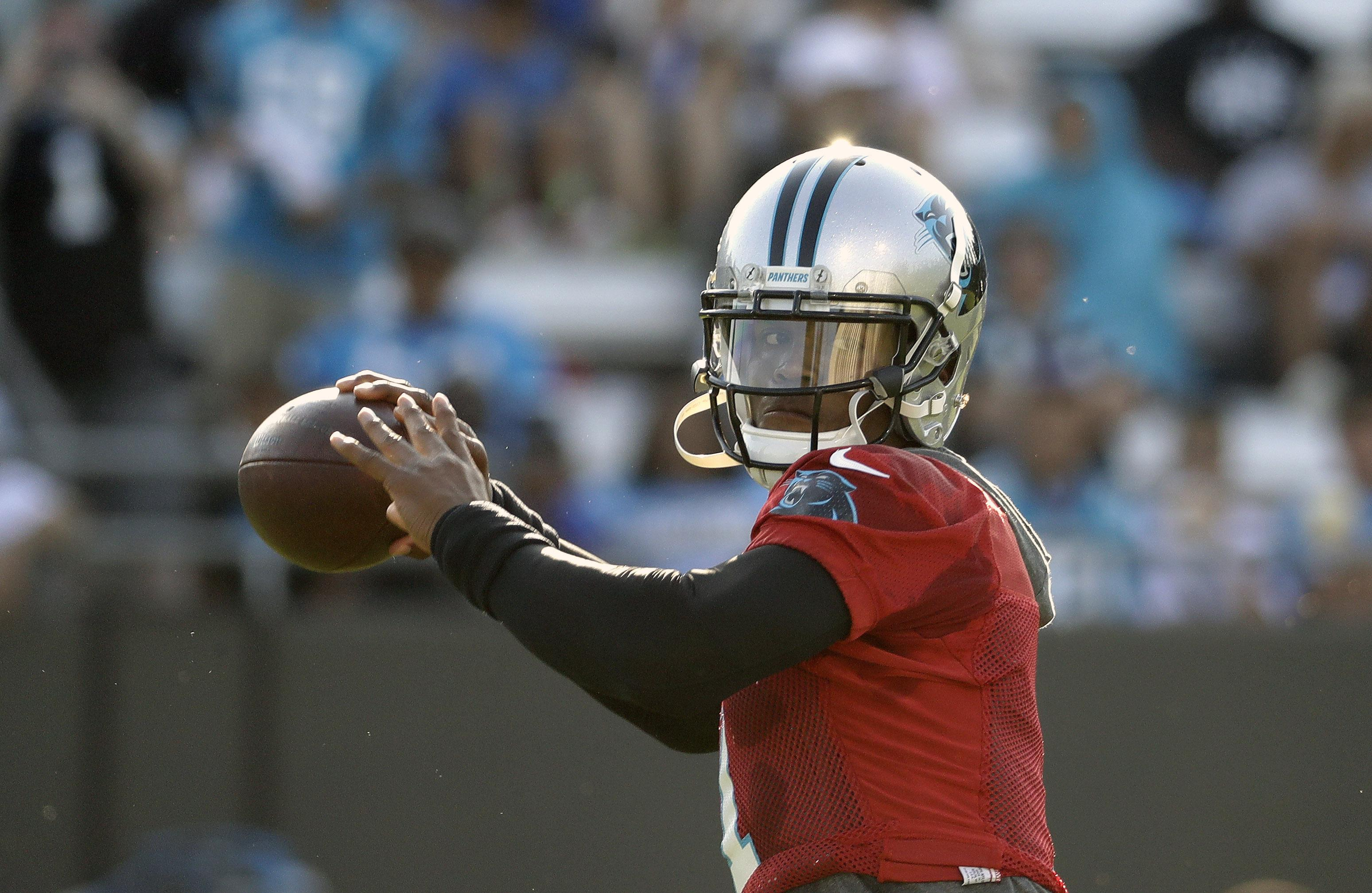 new style 86cd0 fe73d Panthers QB Cam Newton airs it out, throws with 'no ...