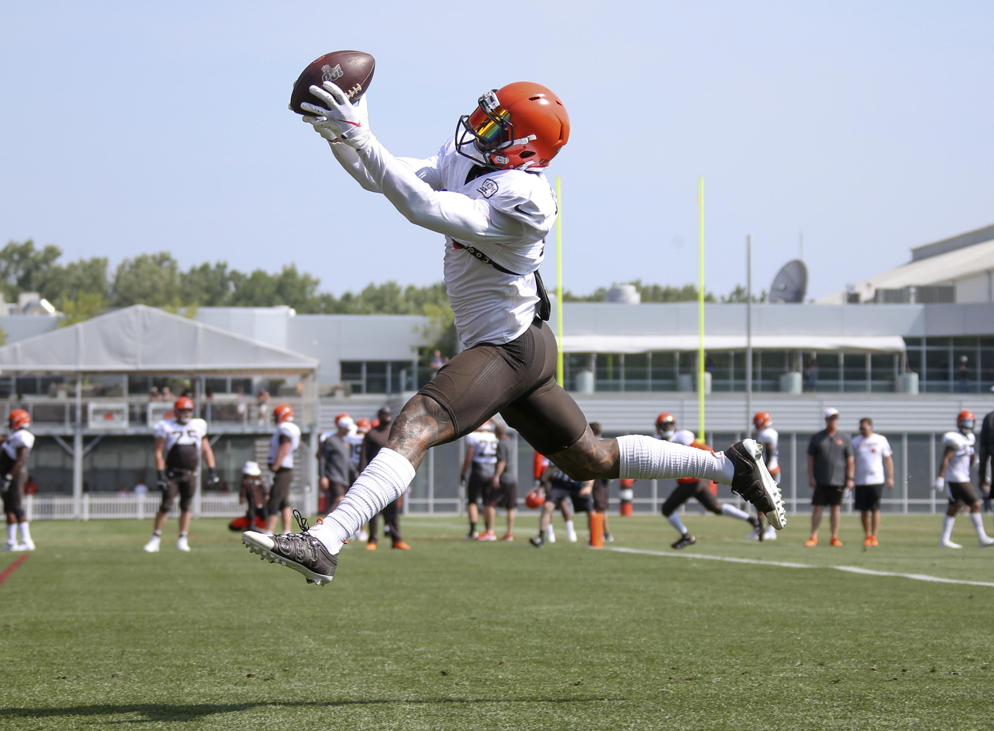 new style 313f3 37d0a Unhip: Browns' Odell Beckham Jr. slowed by injury heading ...