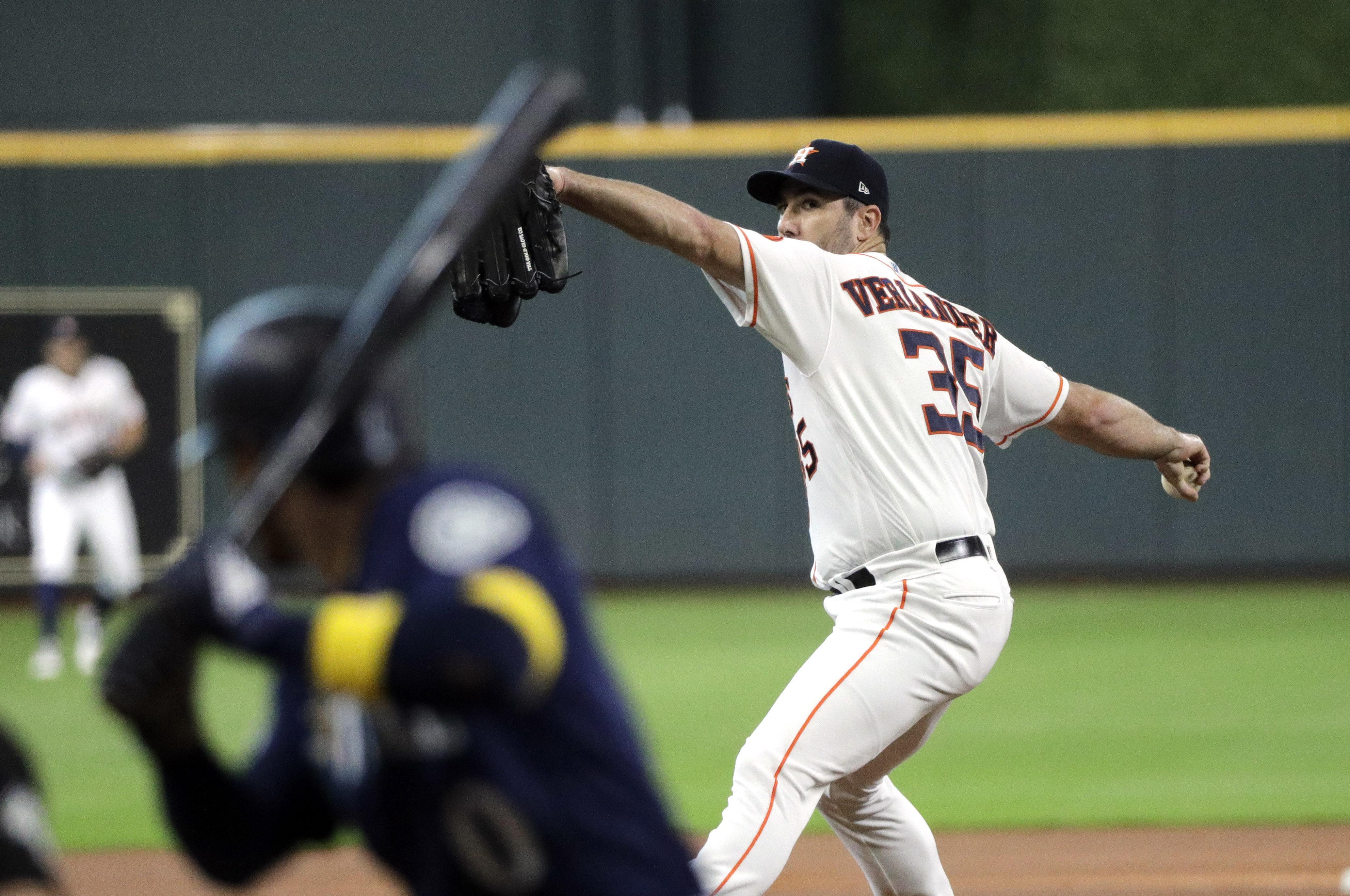 Justin Verlander gets MLB-best 18th win as Astros down