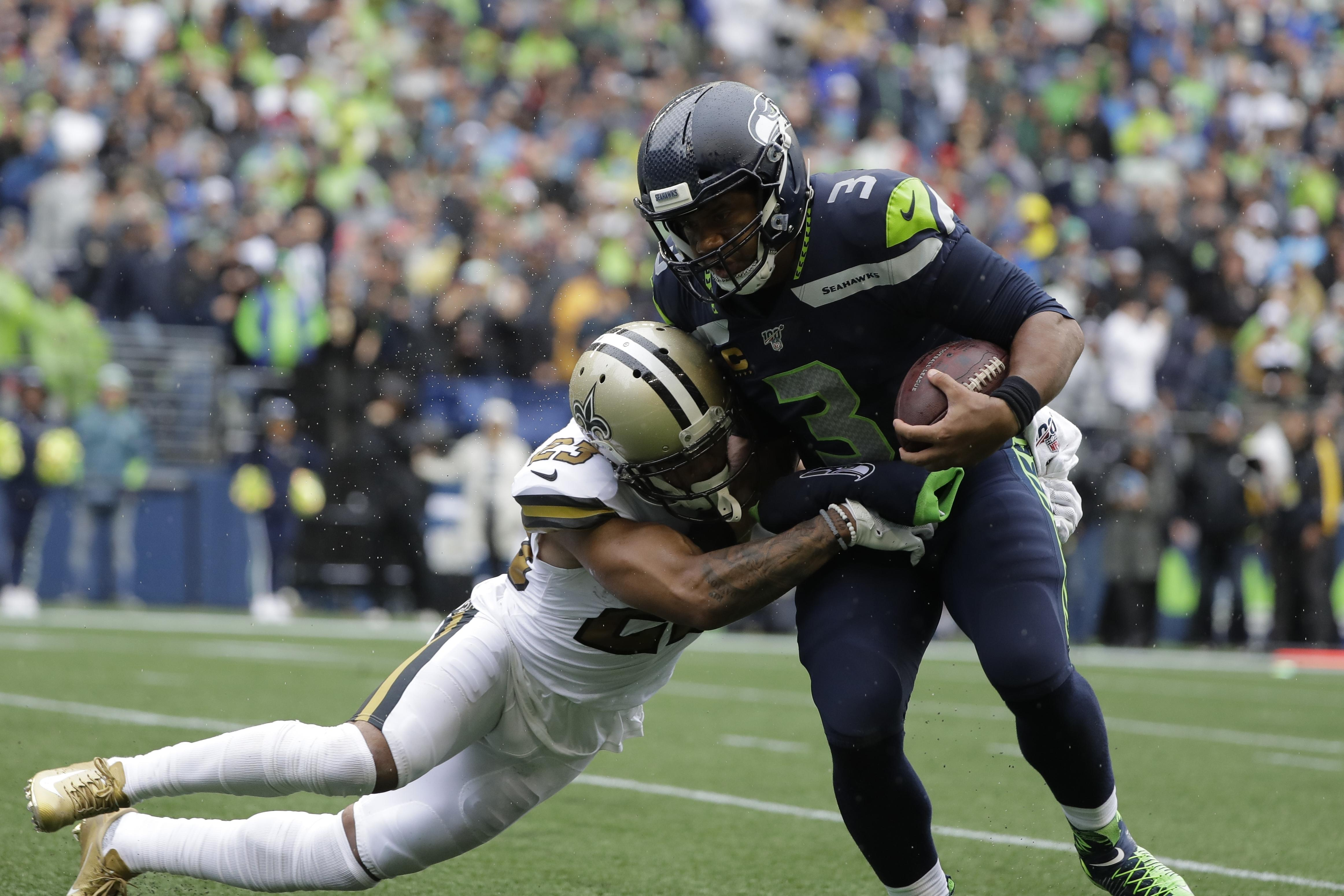 Seattle Seahawks Russell Wilson Setting Qb Standard For