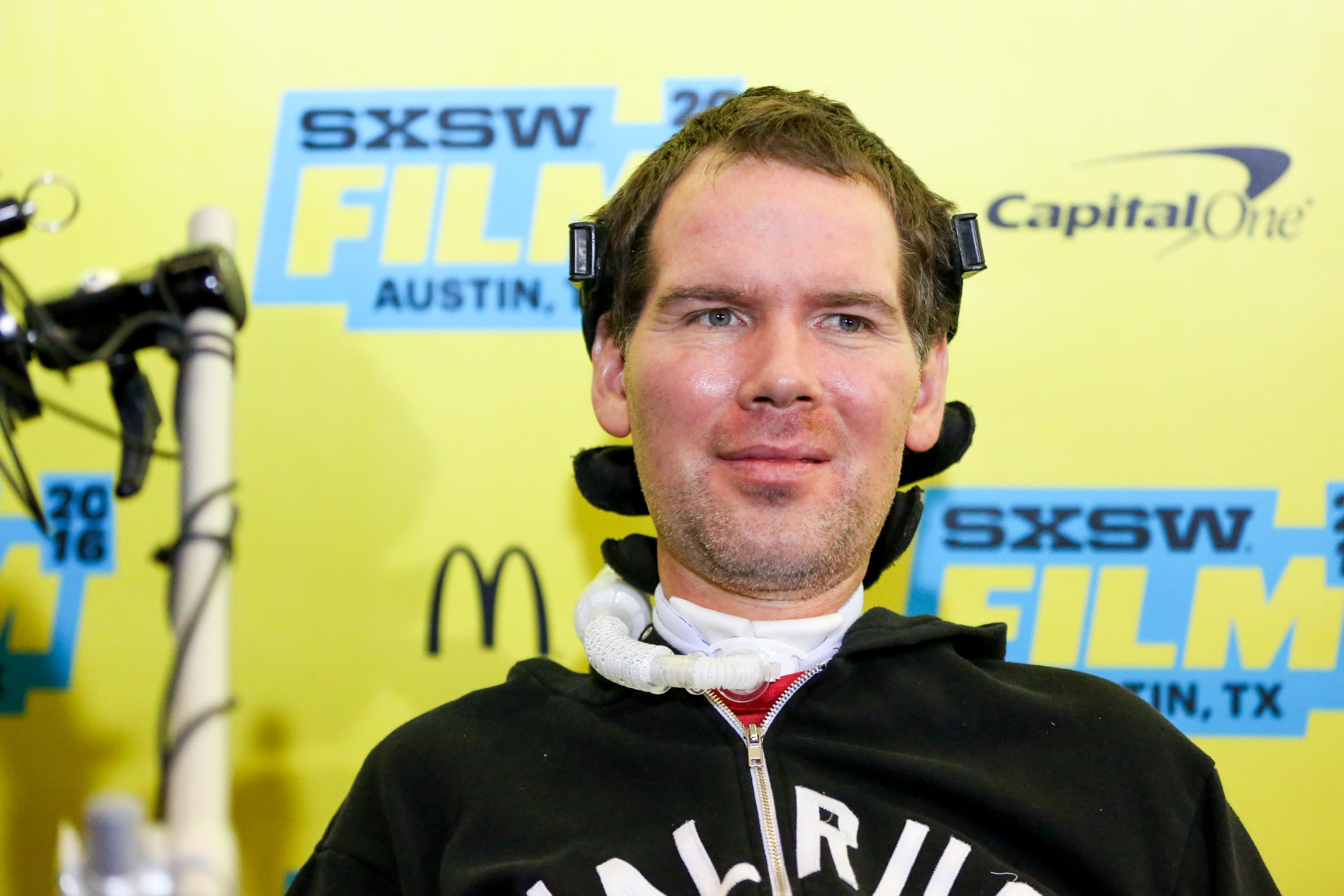 Drew Brees gives emotional speech as Steve Gleason receives Congressional Gold Medal