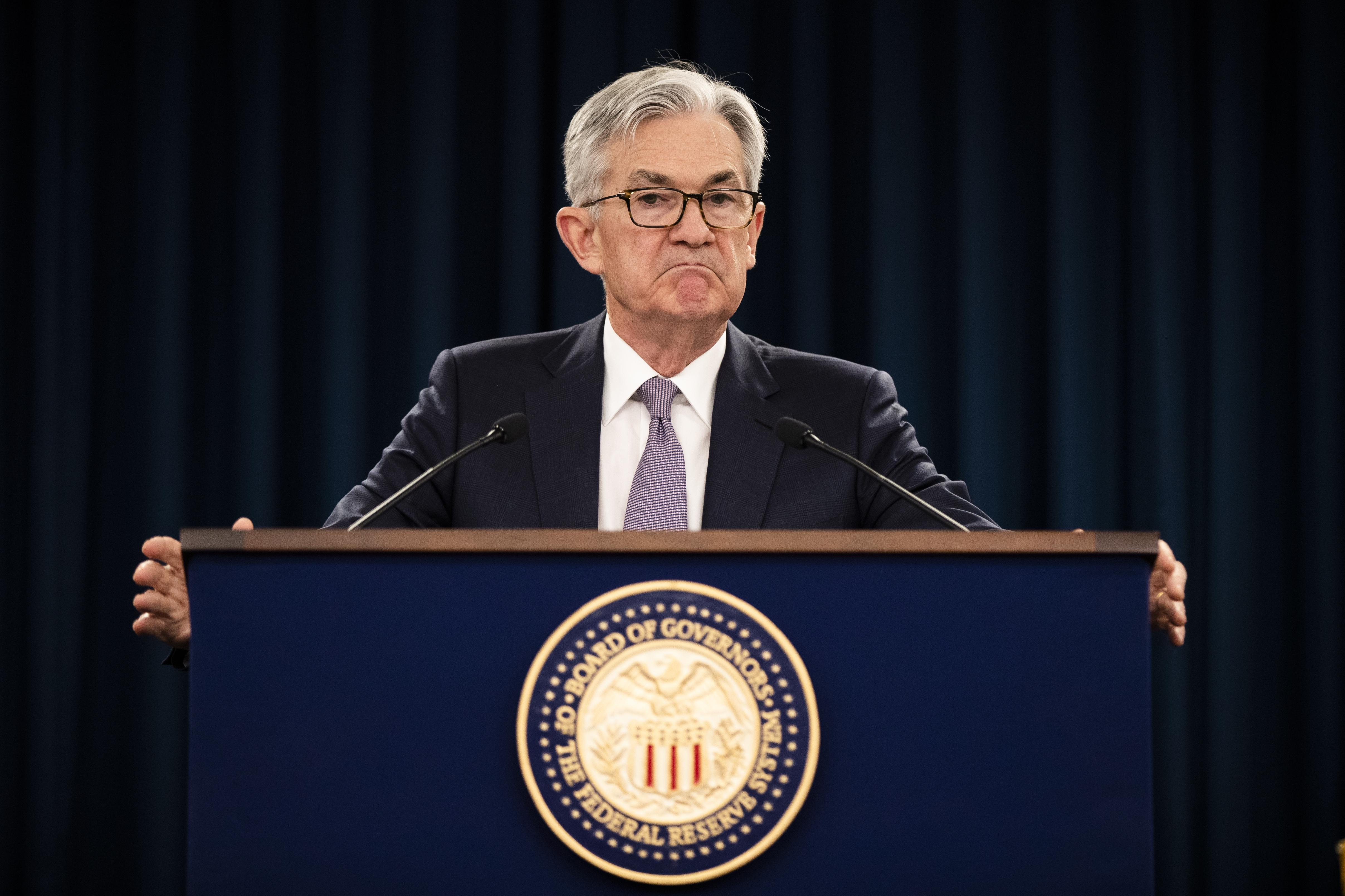 Fed sees 'medium-term' pandemic risks, keeps zero-rate pledge