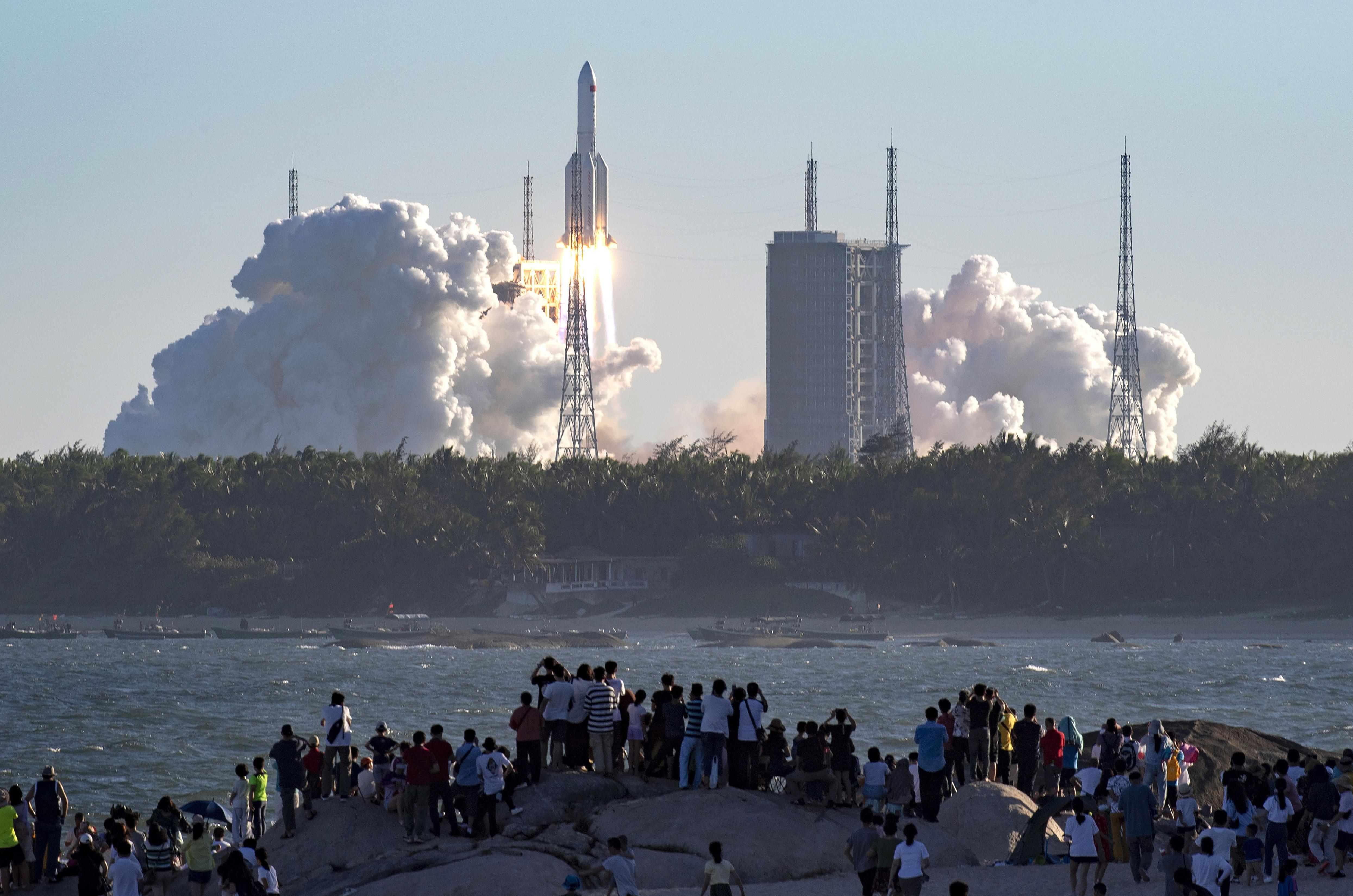 China's experimental spaceship works normally in orbit