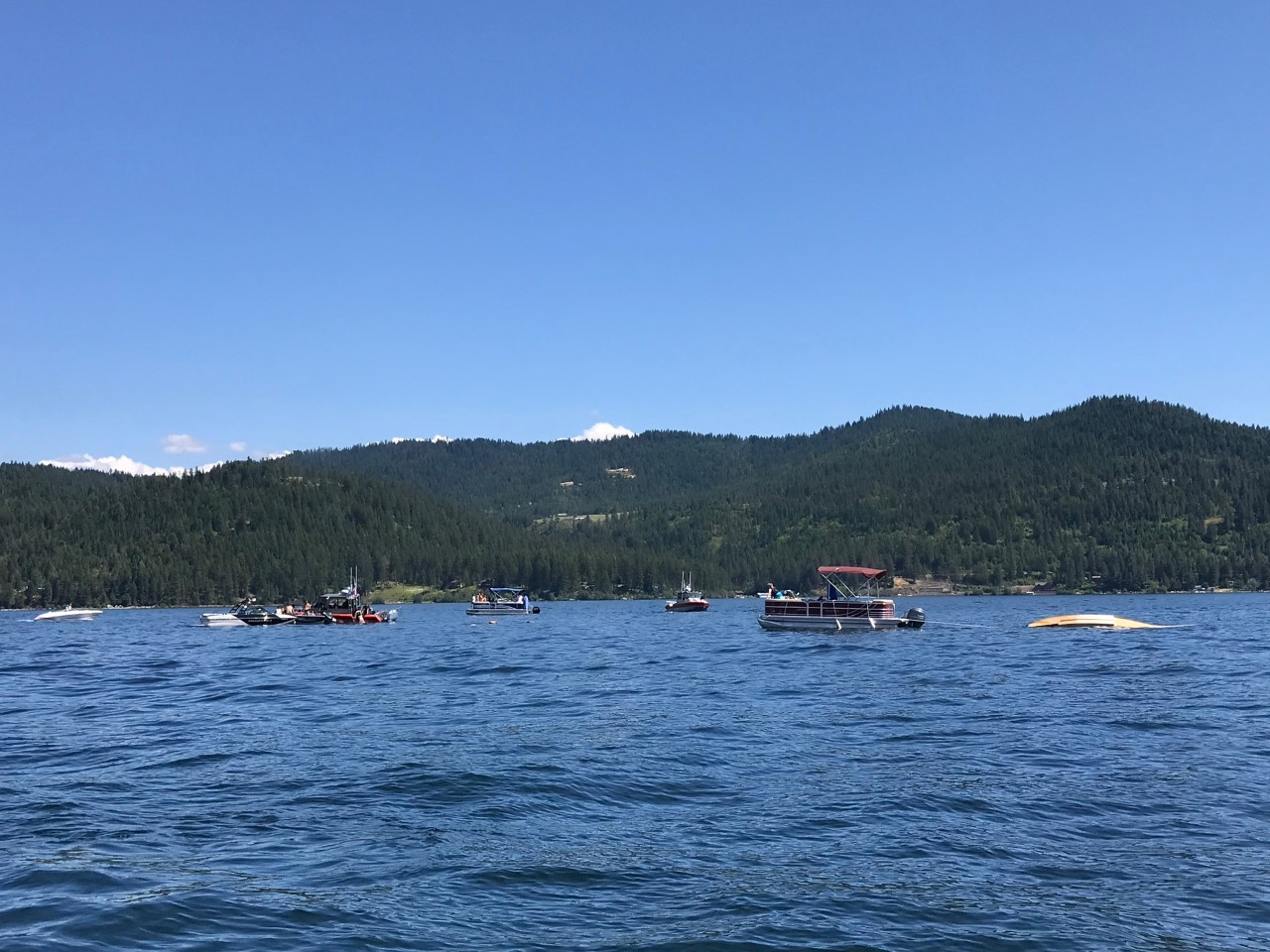 8 feared dead after 2 planes collide over Idaho lake